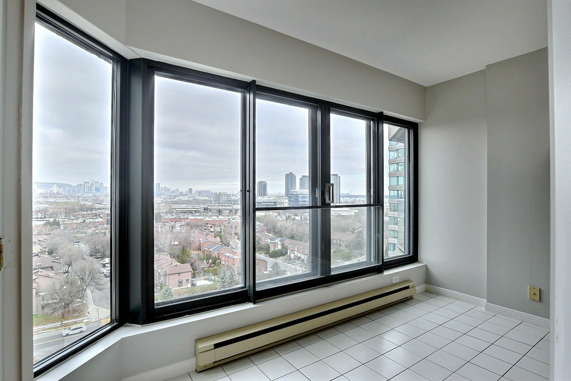 image 13 - Apartment For rent Verdun/Île-des-Sours Montréal  - 4 rooms