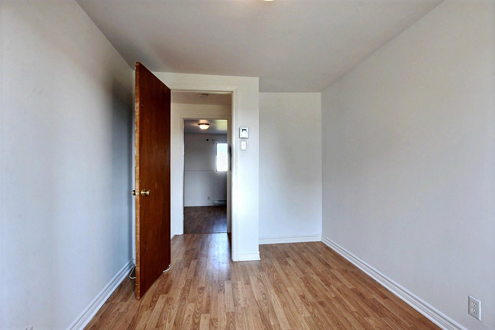 image 39 - Quadruplex For sale Lachine Montréal  - 4 rooms