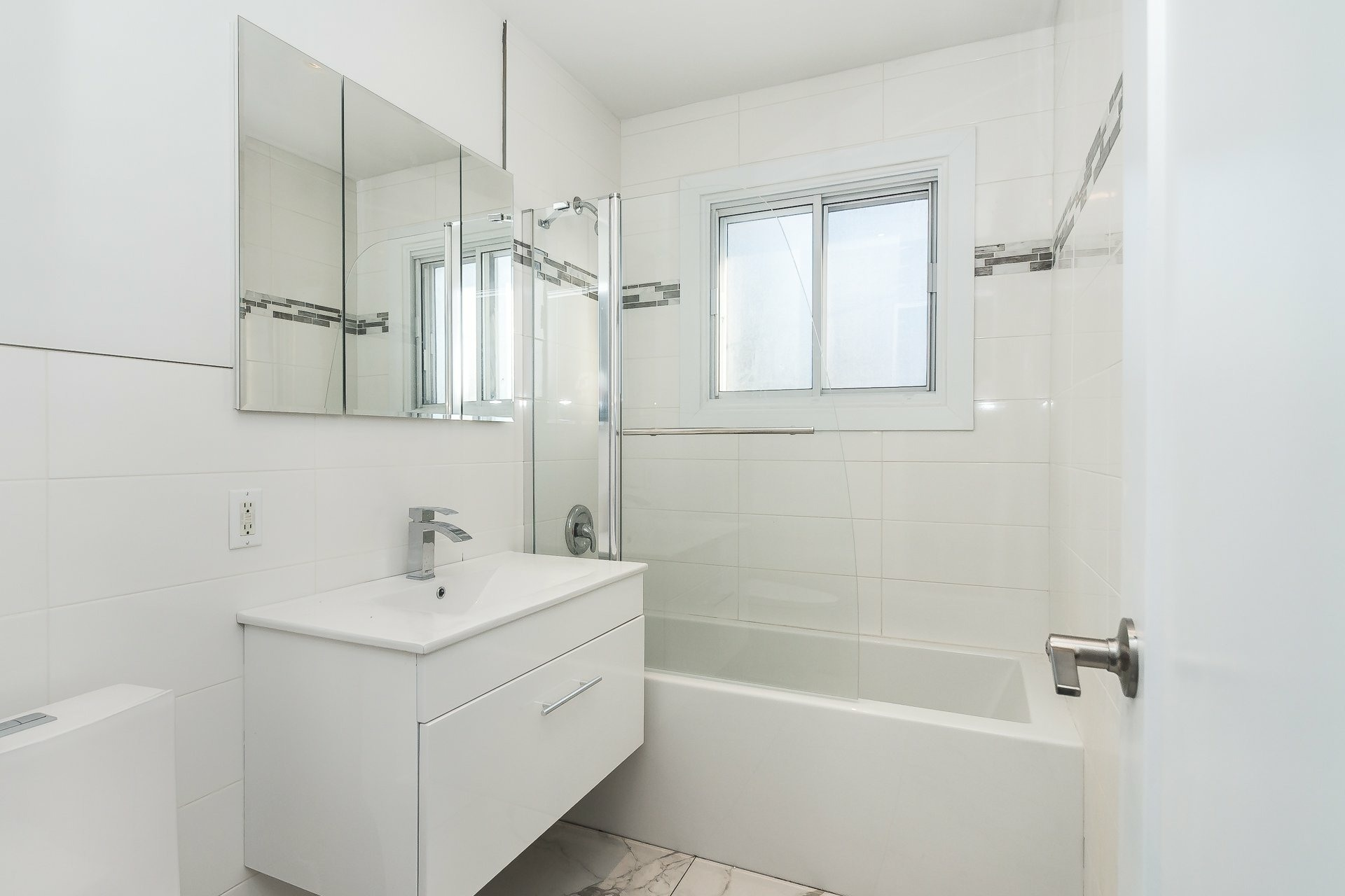image 21 - House For sale Laval Chomedey  - 9 rooms