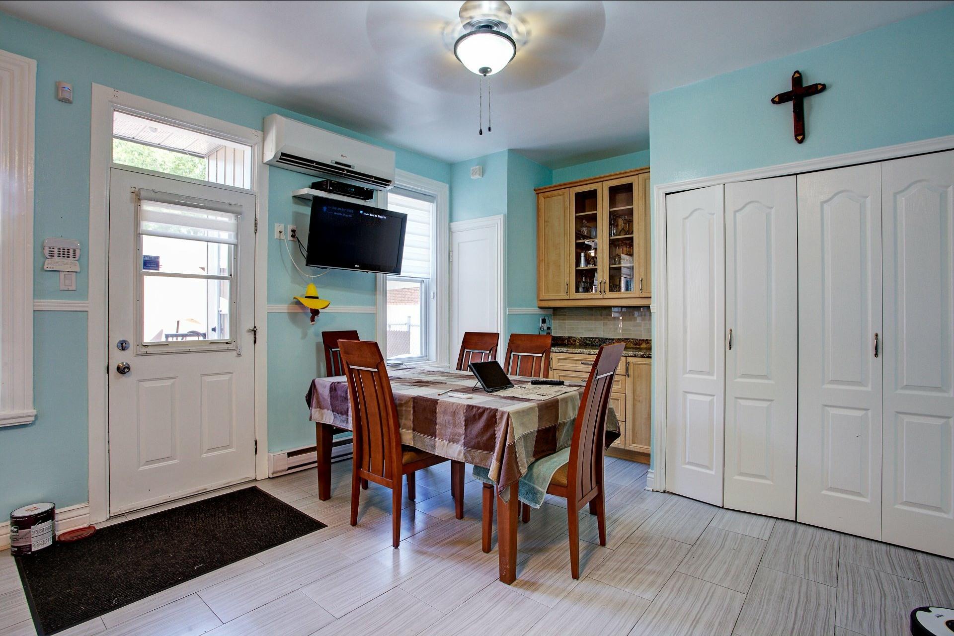 image 5 - Income property For sale Le Sud-Ouest Montréal  - 4 rooms