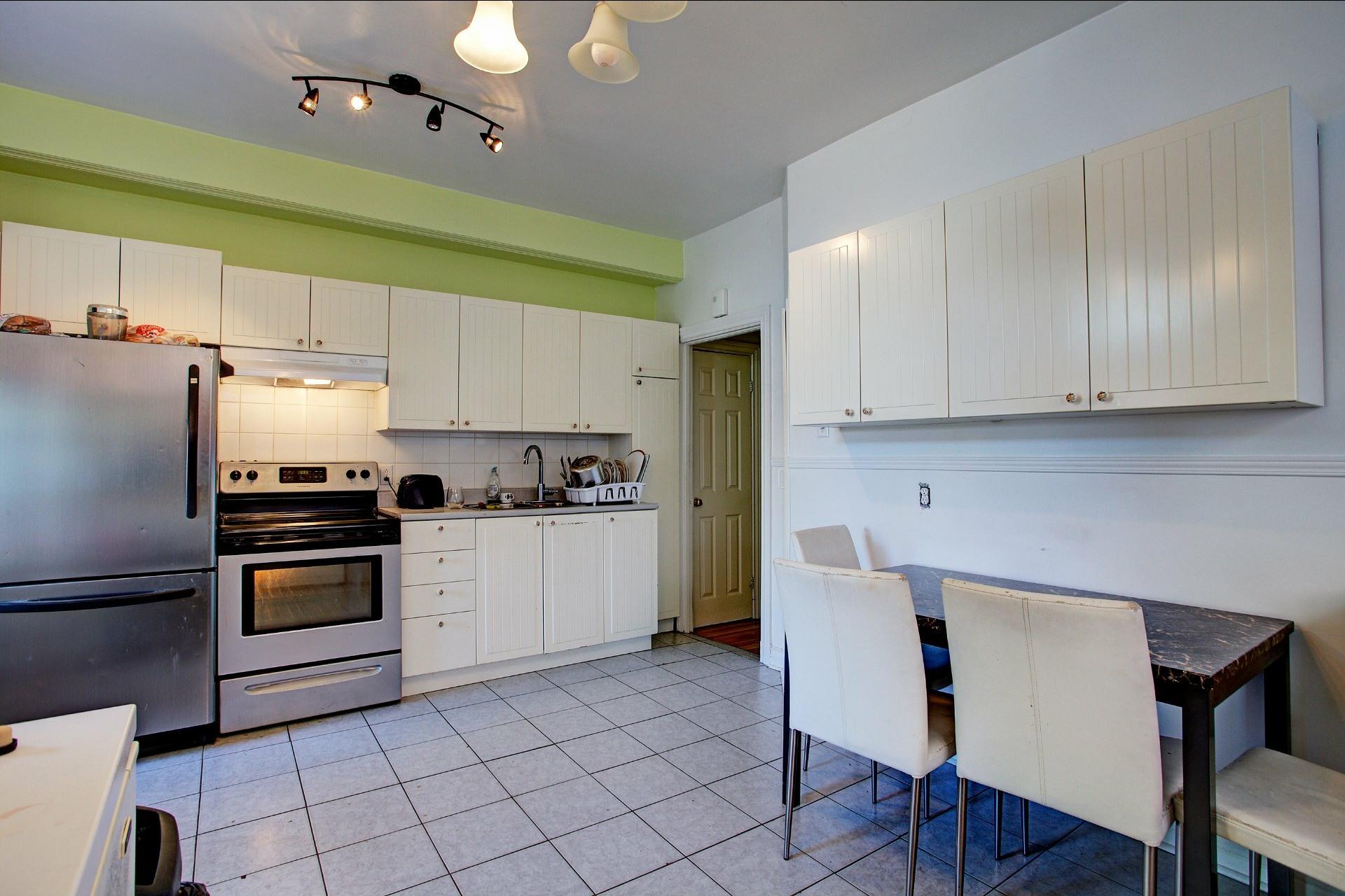 image 12 - Income property For sale Le Sud-Ouest Montréal  - 4 rooms