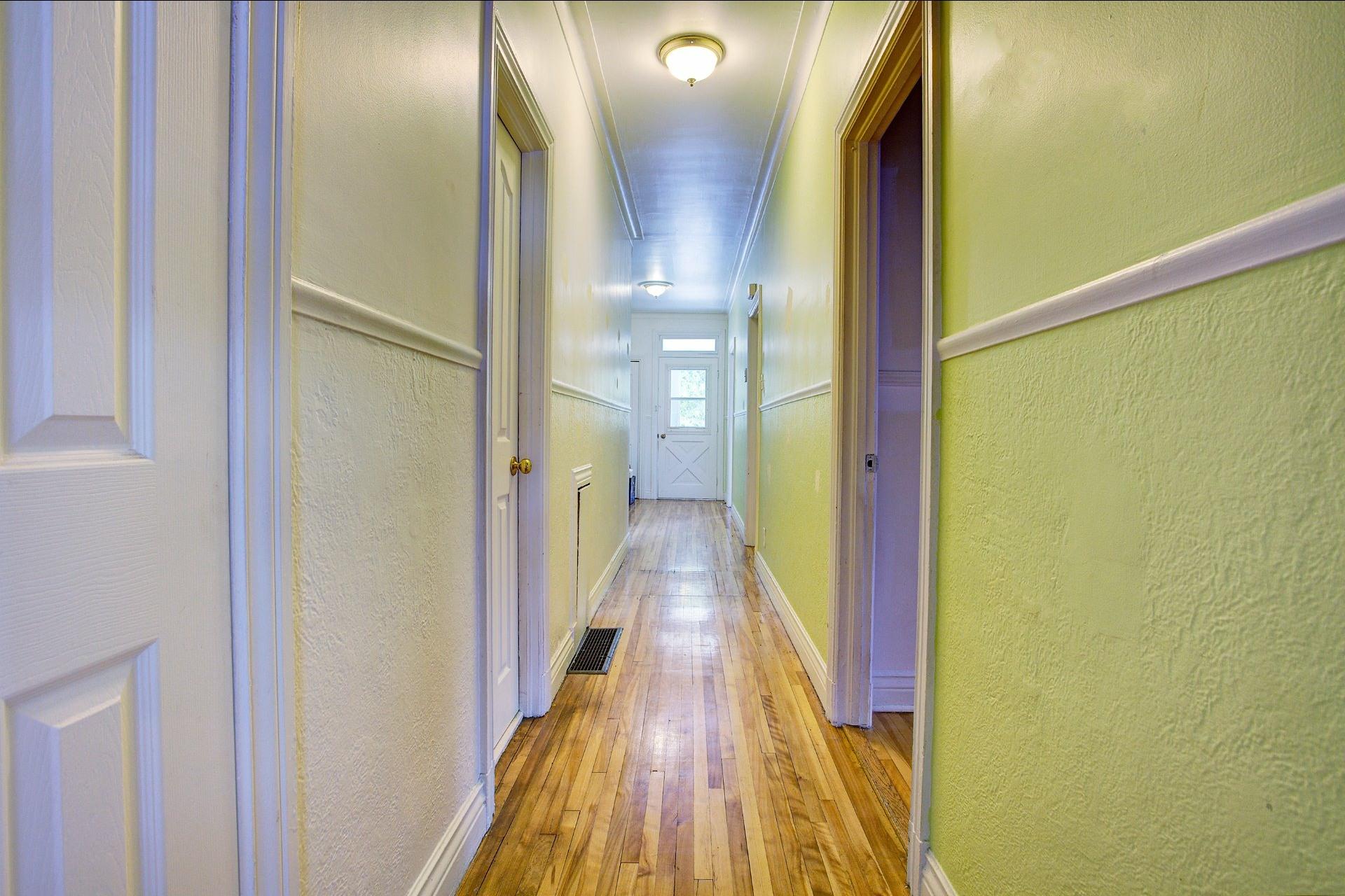 image 16 - Income property For sale Le Sud-Ouest Montréal  - 4 rooms