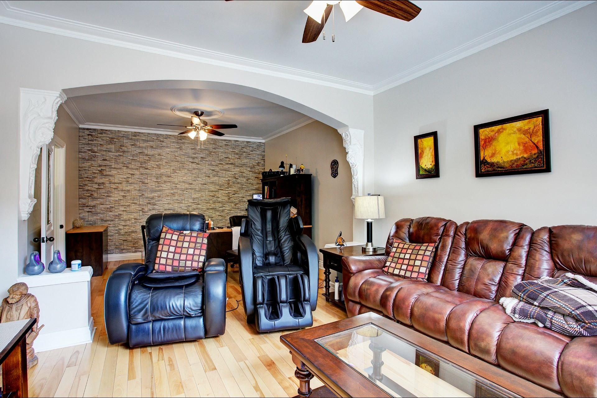 image 7 - Income property For sale Le Sud-Ouest Montréal  - 4 rooms