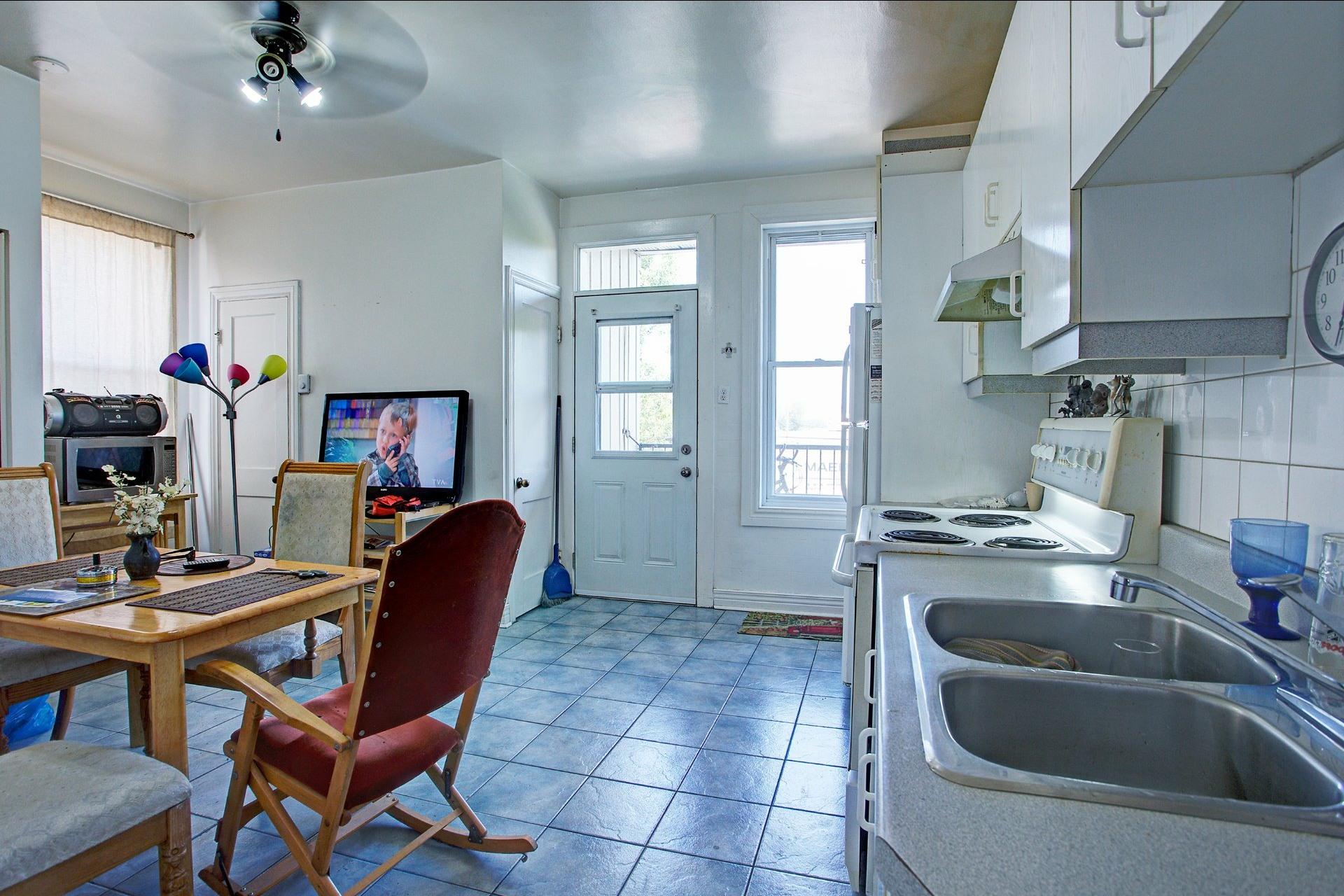 image 19 - Income property For sale Le Sud-Ouest Montréal  - 4 rooms