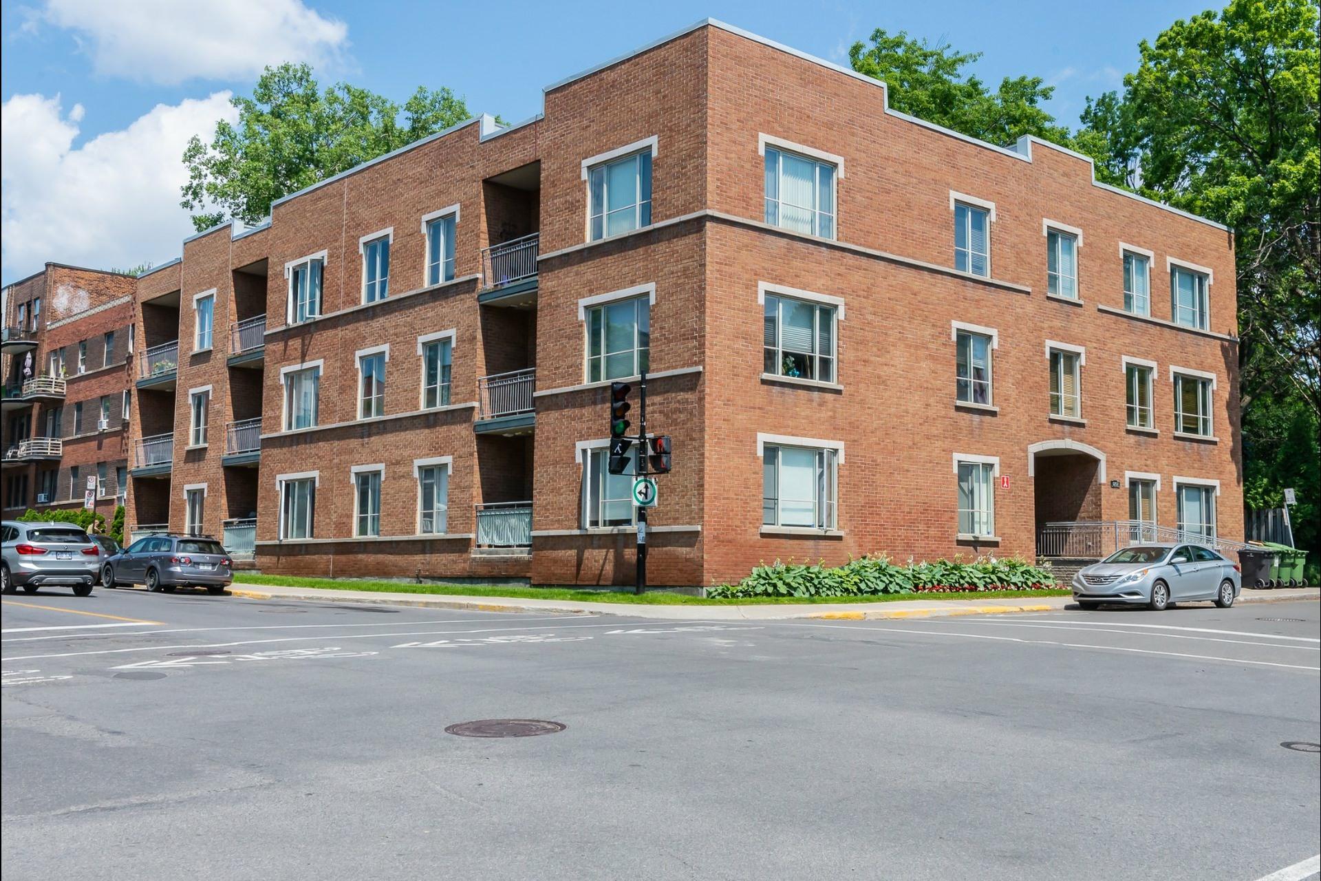 image 26 - Appartement À vendre Montréal Côte-des-Neiges/Notre-Dame-de-Grâce  - 7 pièces