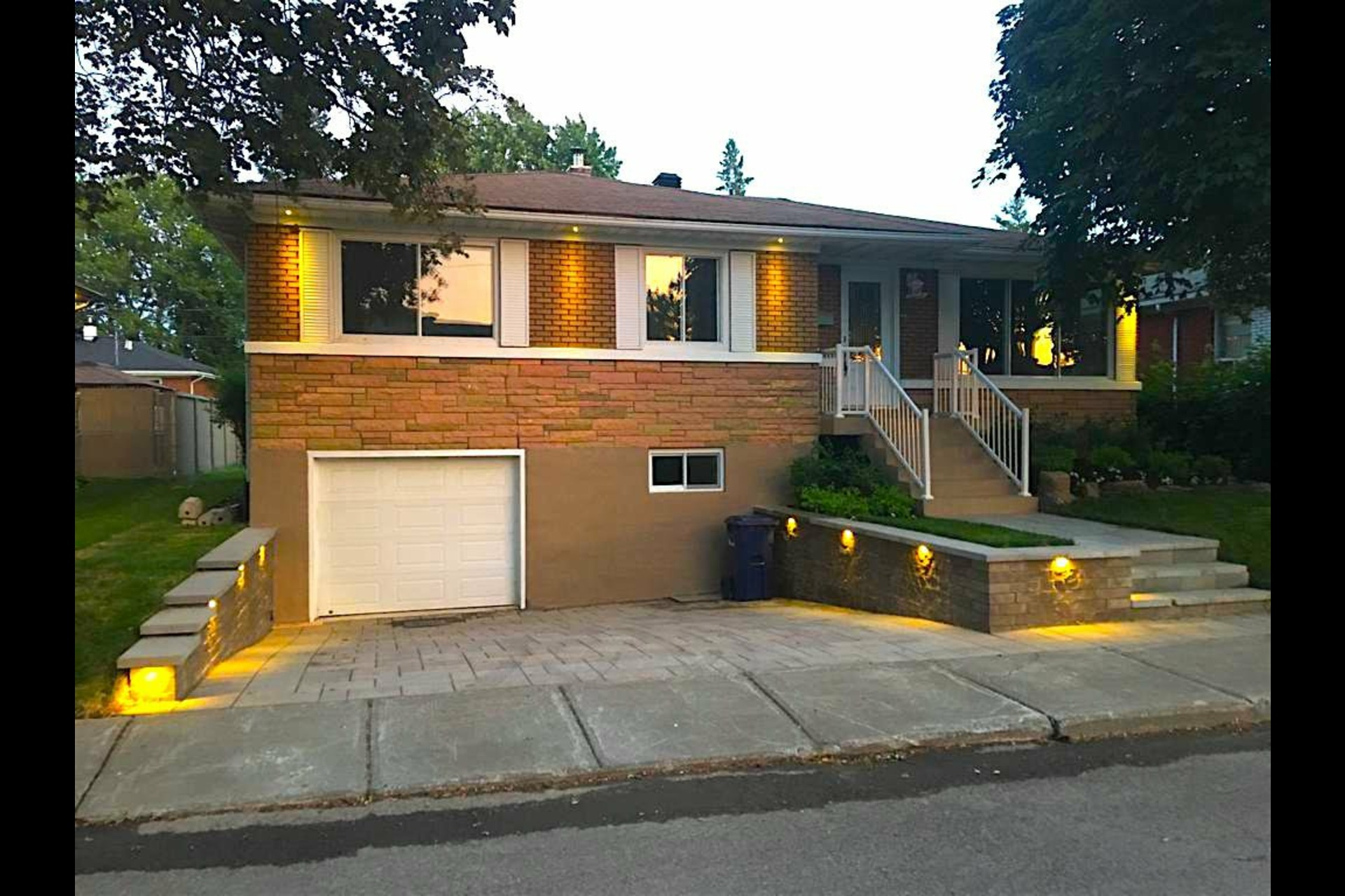 image 28 - House For sale Laval Chomedey  - 9 rooms
