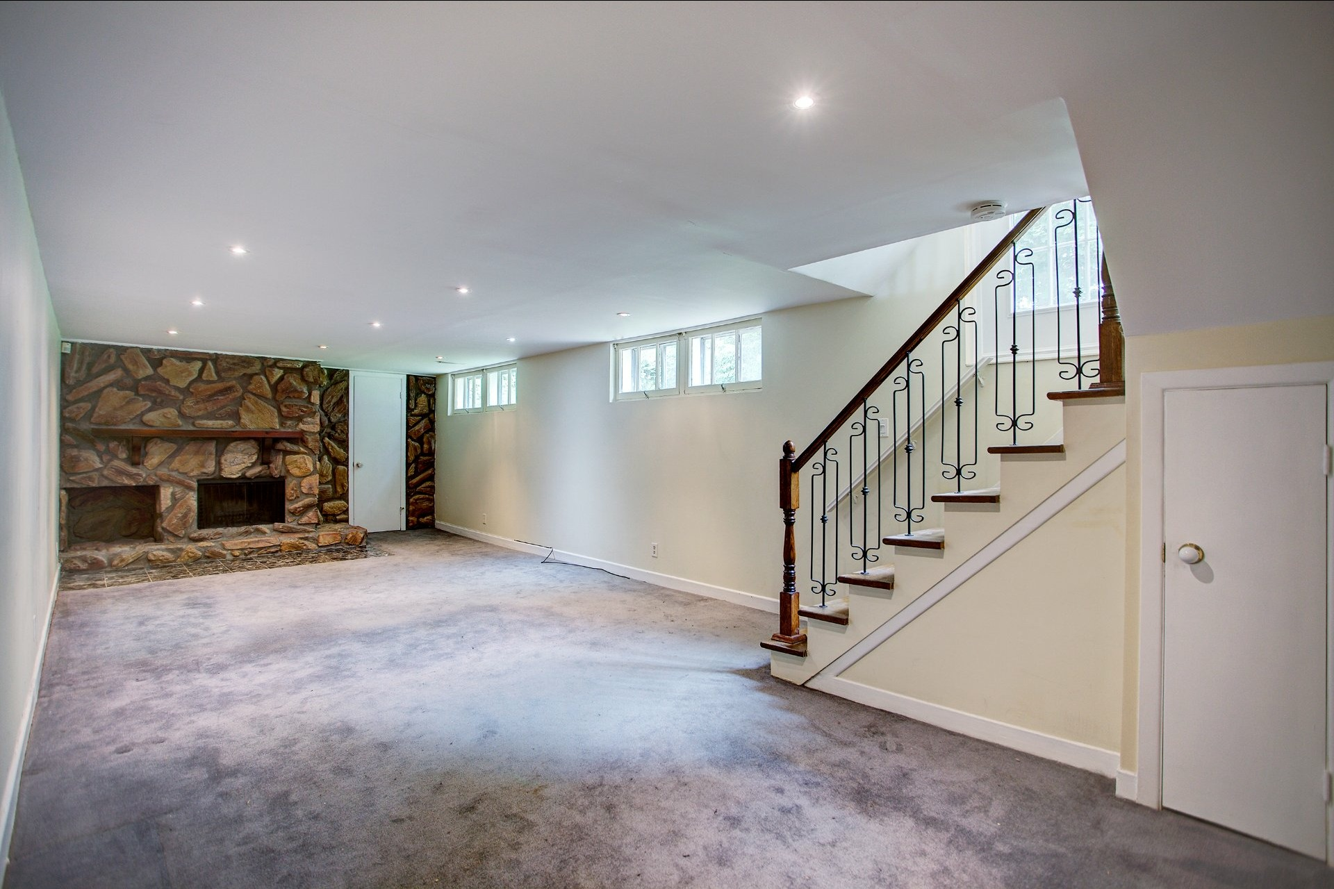 image 16 - House For sale Beaconsfield - 10 rooms