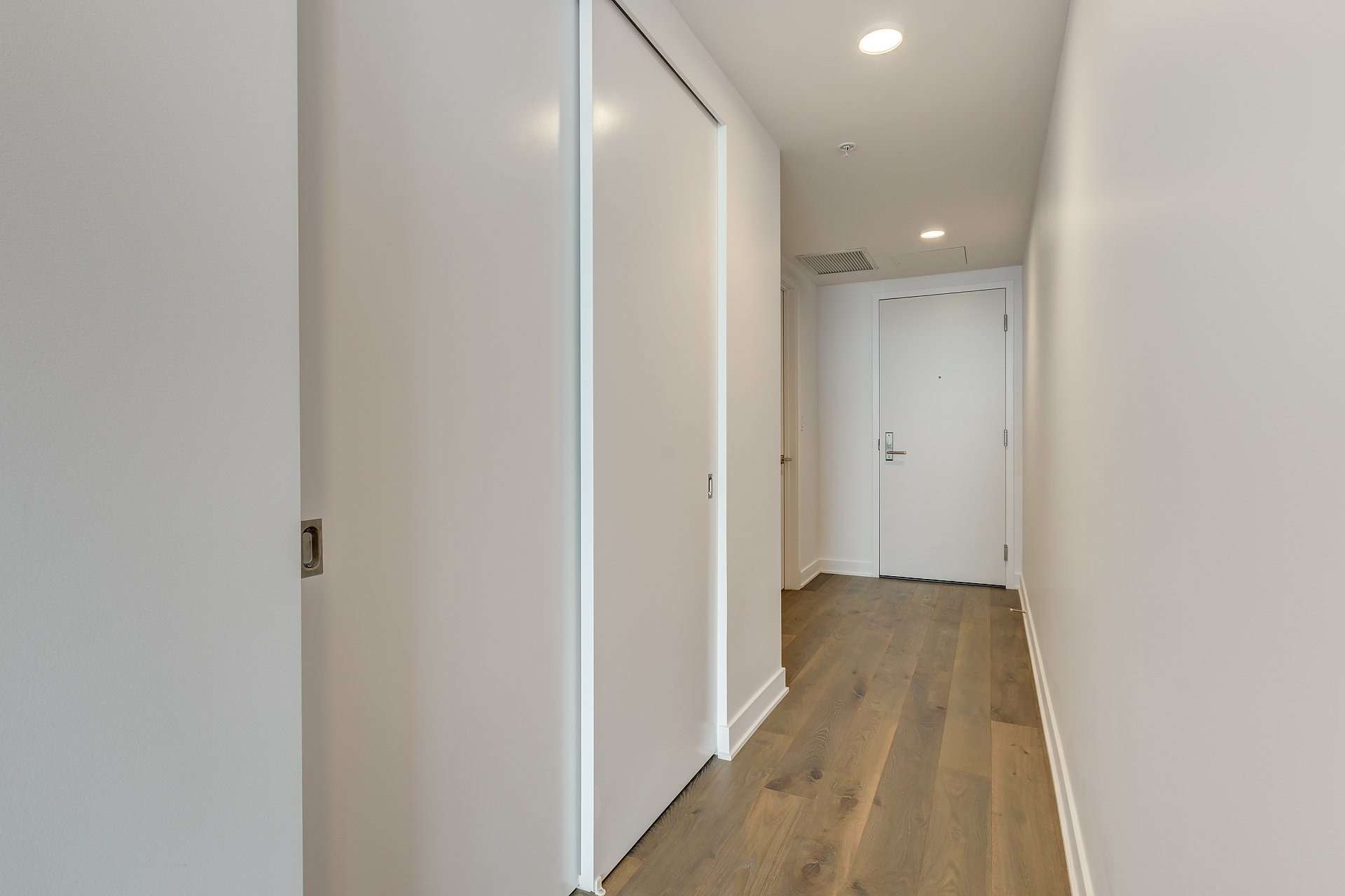image 12 - Apartment For rent Montréal Ville-Marie  - 4 rooms