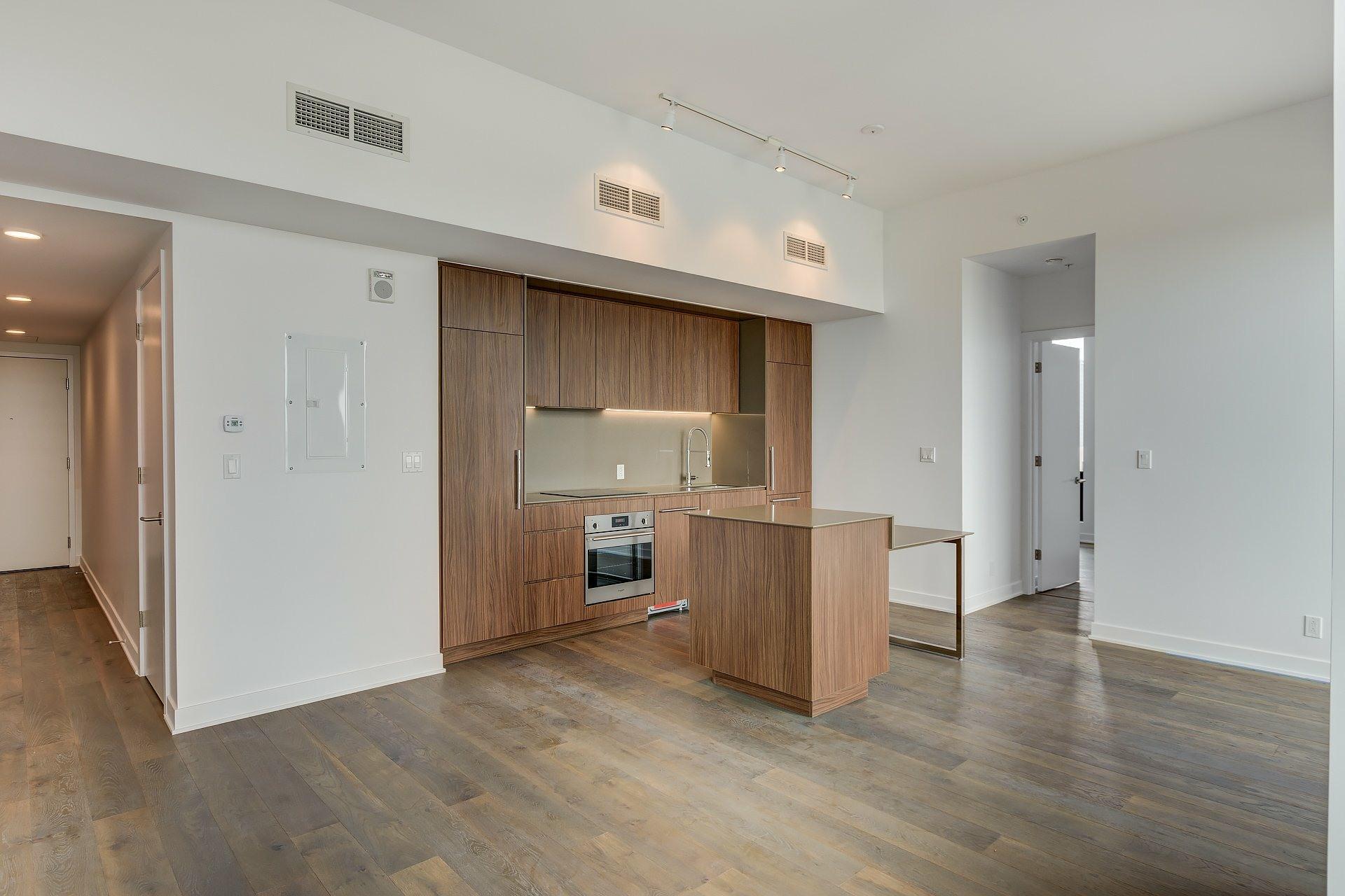 image 1 - Apartment For rent Montréal Ville-Marie  - 4 rooms