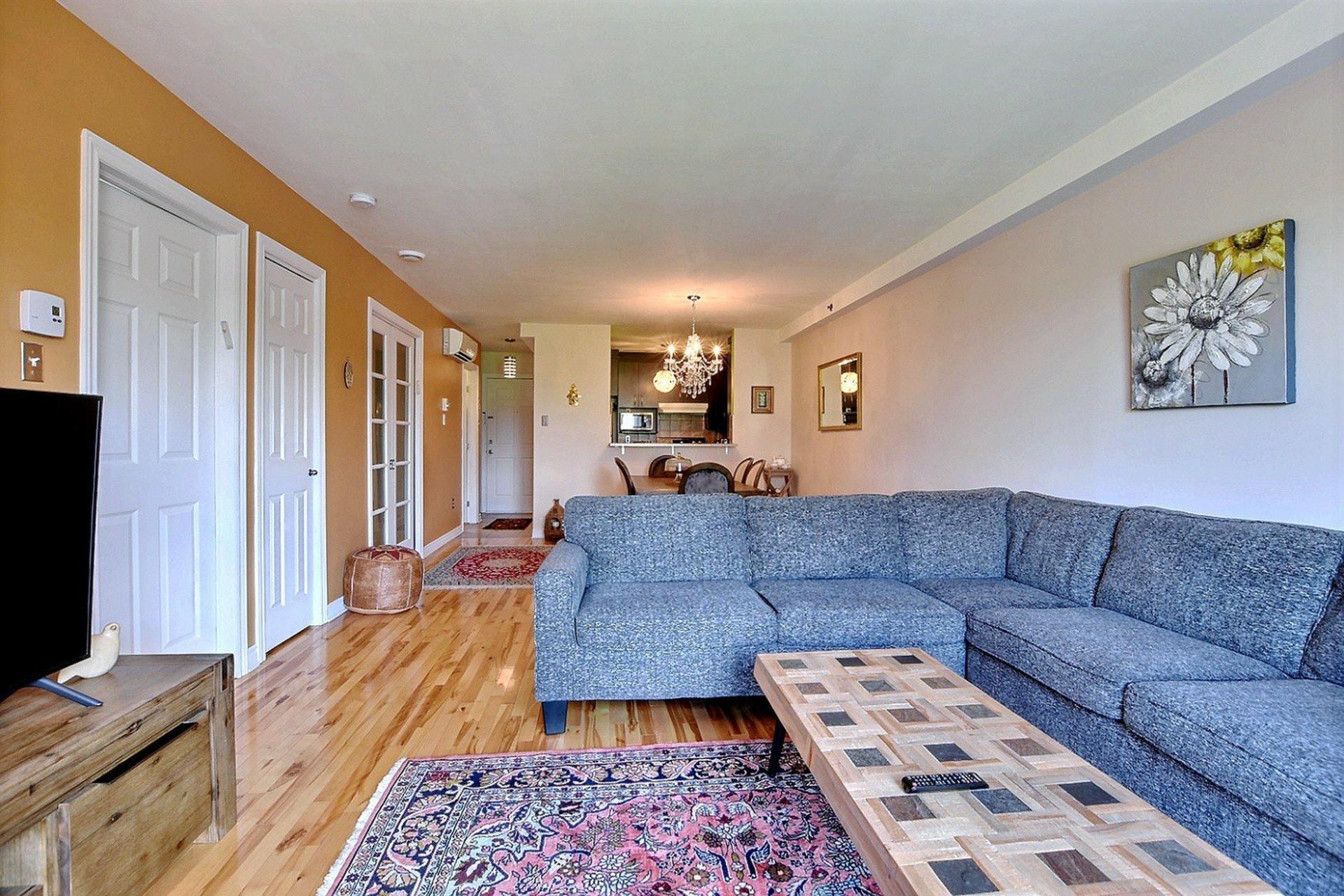 image 1 - Apartment For sale Montréal Côte-des-Neiges/Notre-Dame-de-Grâce  - 4 rooms