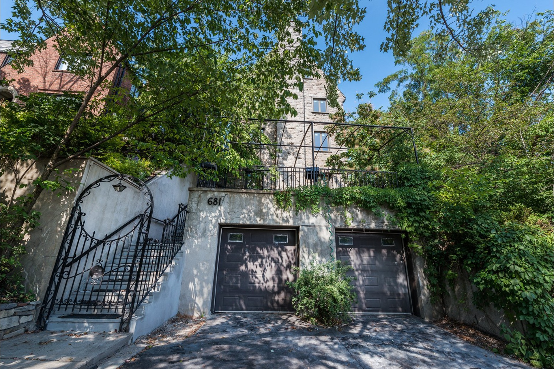 image 2 - House For sale Westmount - 16 rooms