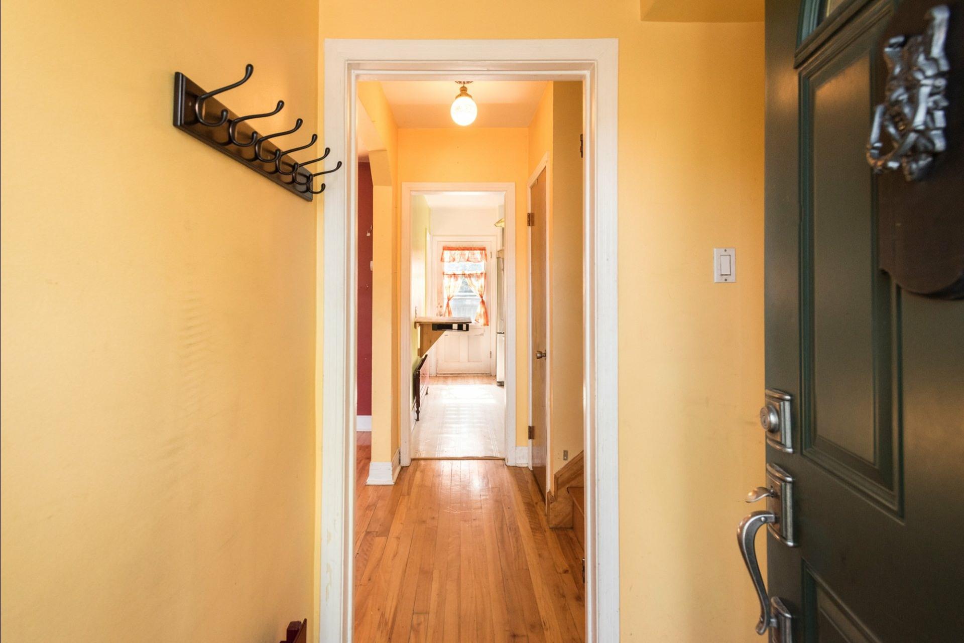 image 1 - Maison À vendre Montréal Côte-des-Neiges/Notre-Dame-de-Grâce  - 6 pièces