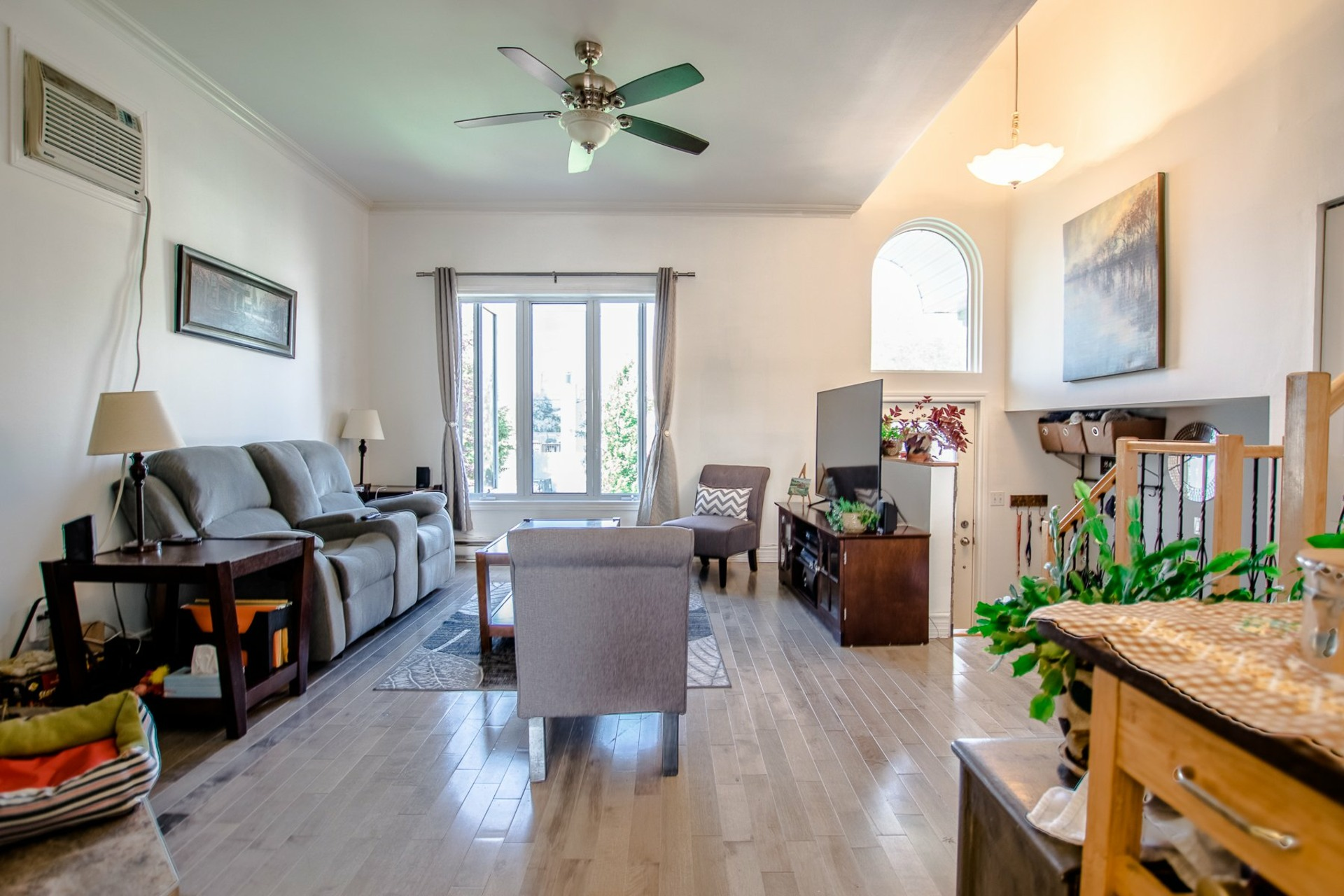 image 3 - House For sale Sainte-Catherine - 8 rooms