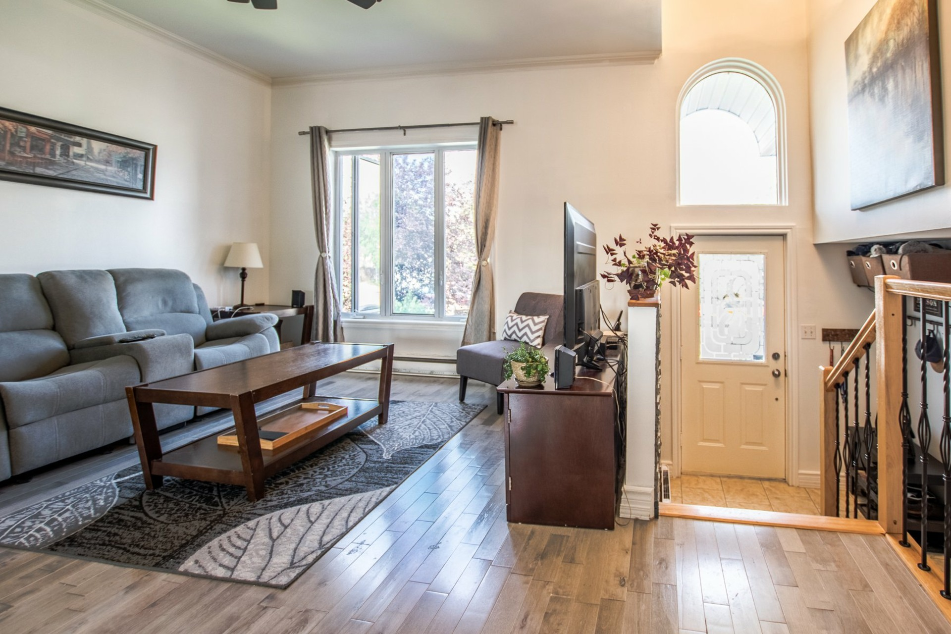 image 2 - House For sale Sainte-Catherine - 8 rooms
