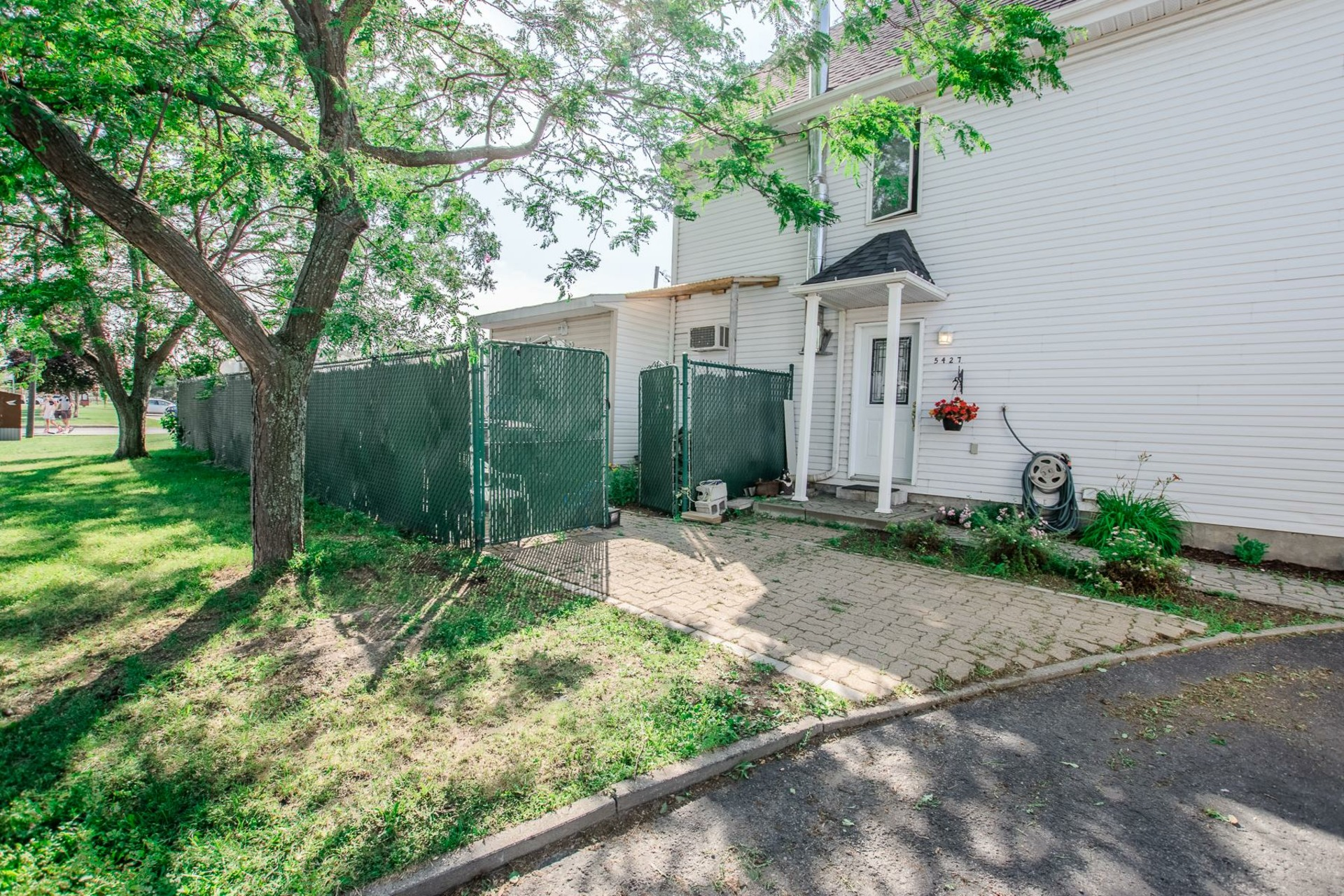 image 31 - House For sale Sainte-Catherine - 8 rooms