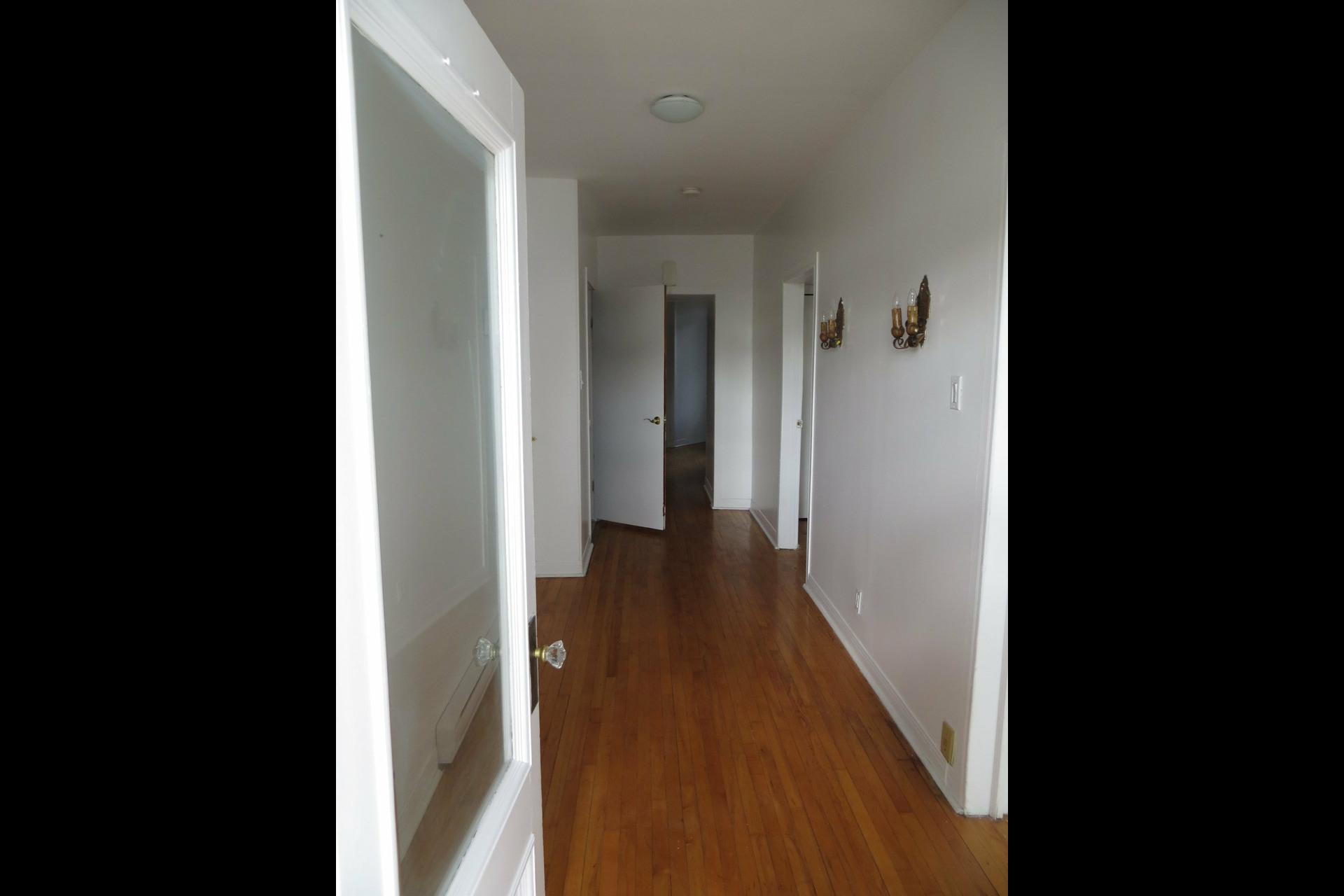 image 2 - Apartment For sale Montréal Côte-des-Neiges/Notre-Dame-de-Grâce  - 7 rooms