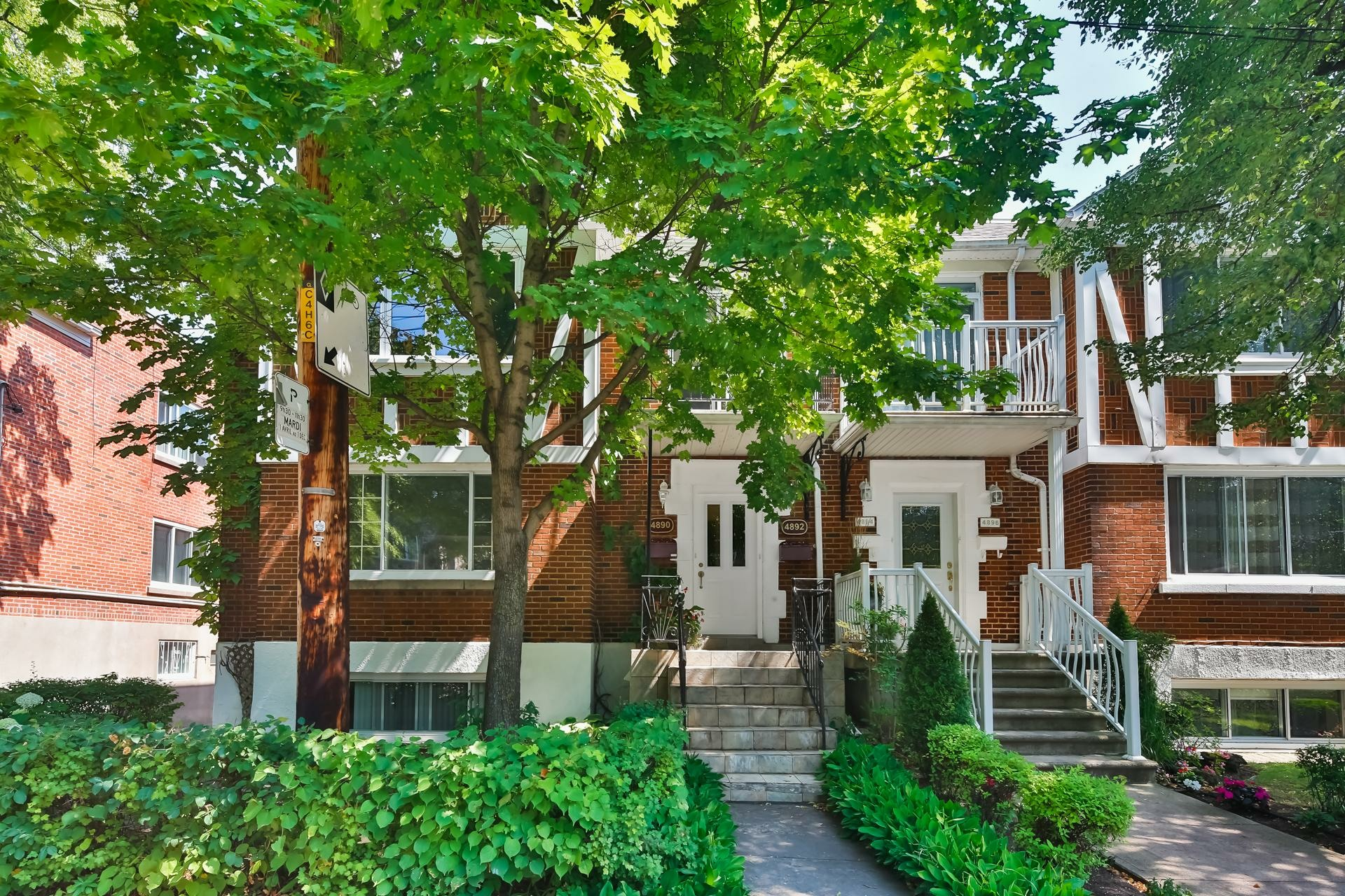 image 0 - Appartement À vendre Montréal Côte-des-Neiges/Notre-Dame-de-Grâce  - 7 pièces