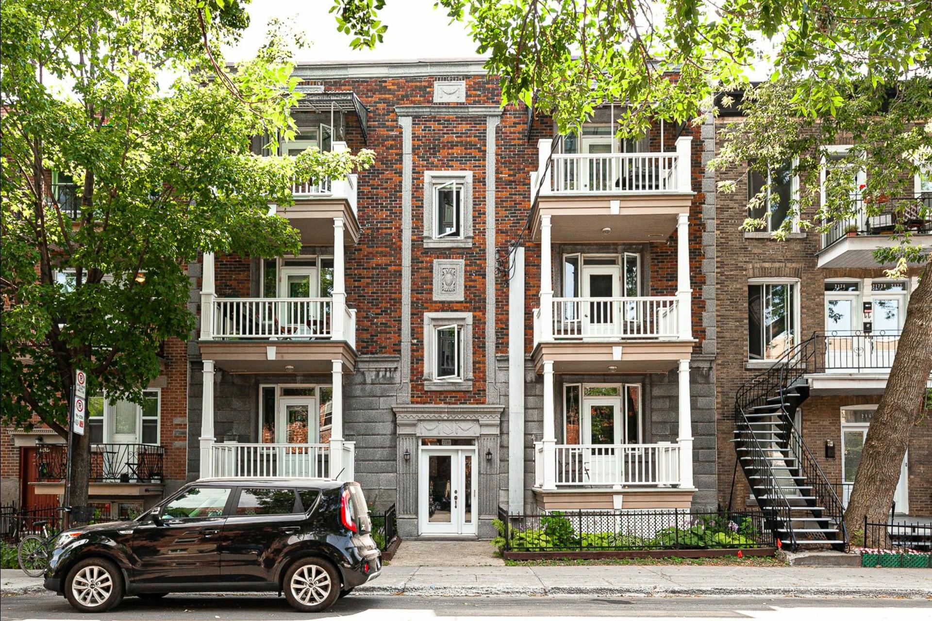 image 0 - Appartement À vendre Montréal Le Plateau-Mont-Royal  - 9 pièces