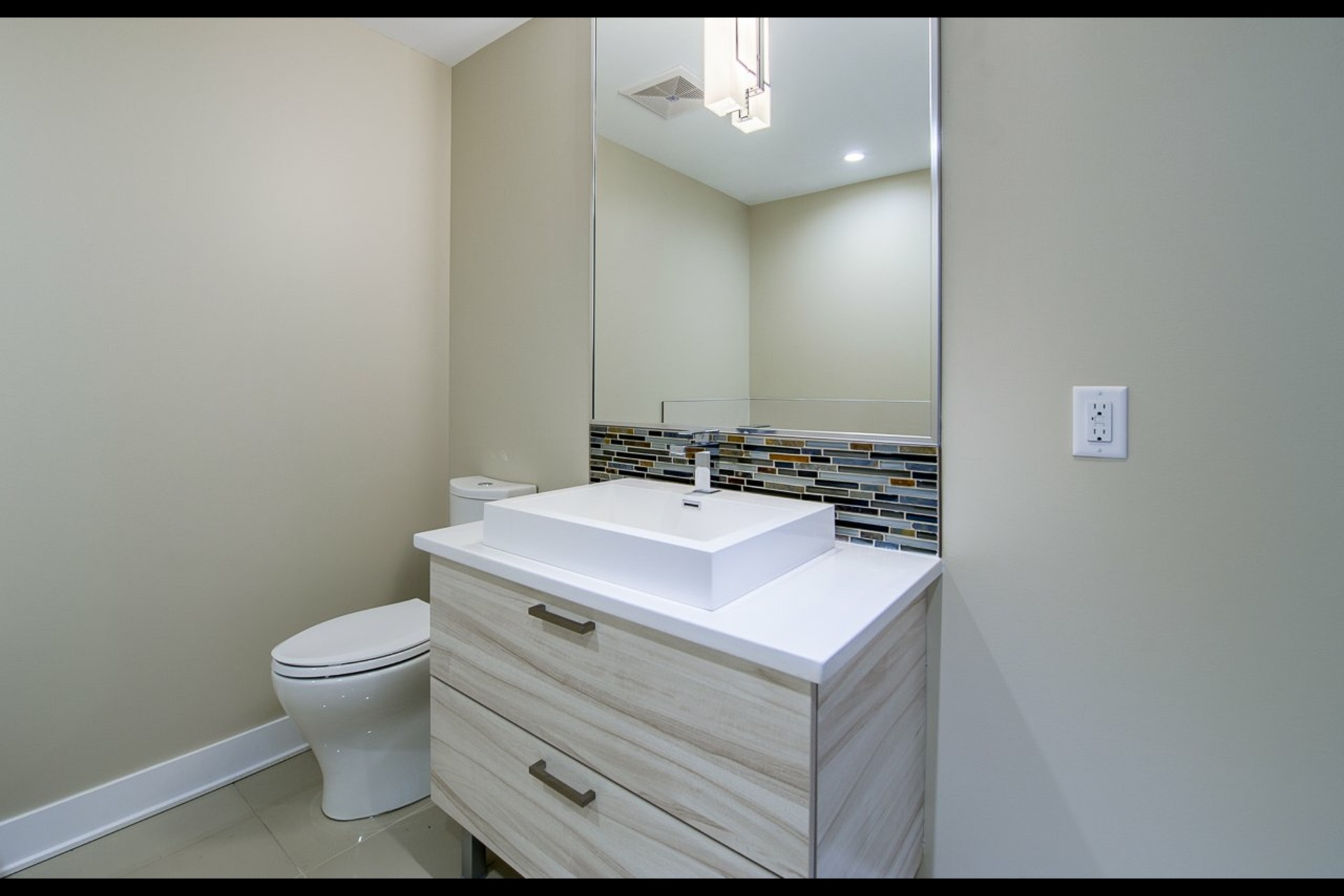 image 11 - Appartement À louer Montréal Rosemont/La Petite-Patrie  - 4 pièces