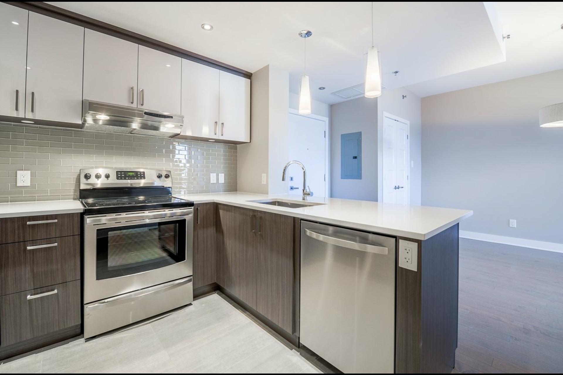 image 7 - Appartement À louer Montréal Rosemont/La Petite-Patrie  - 4 pièces