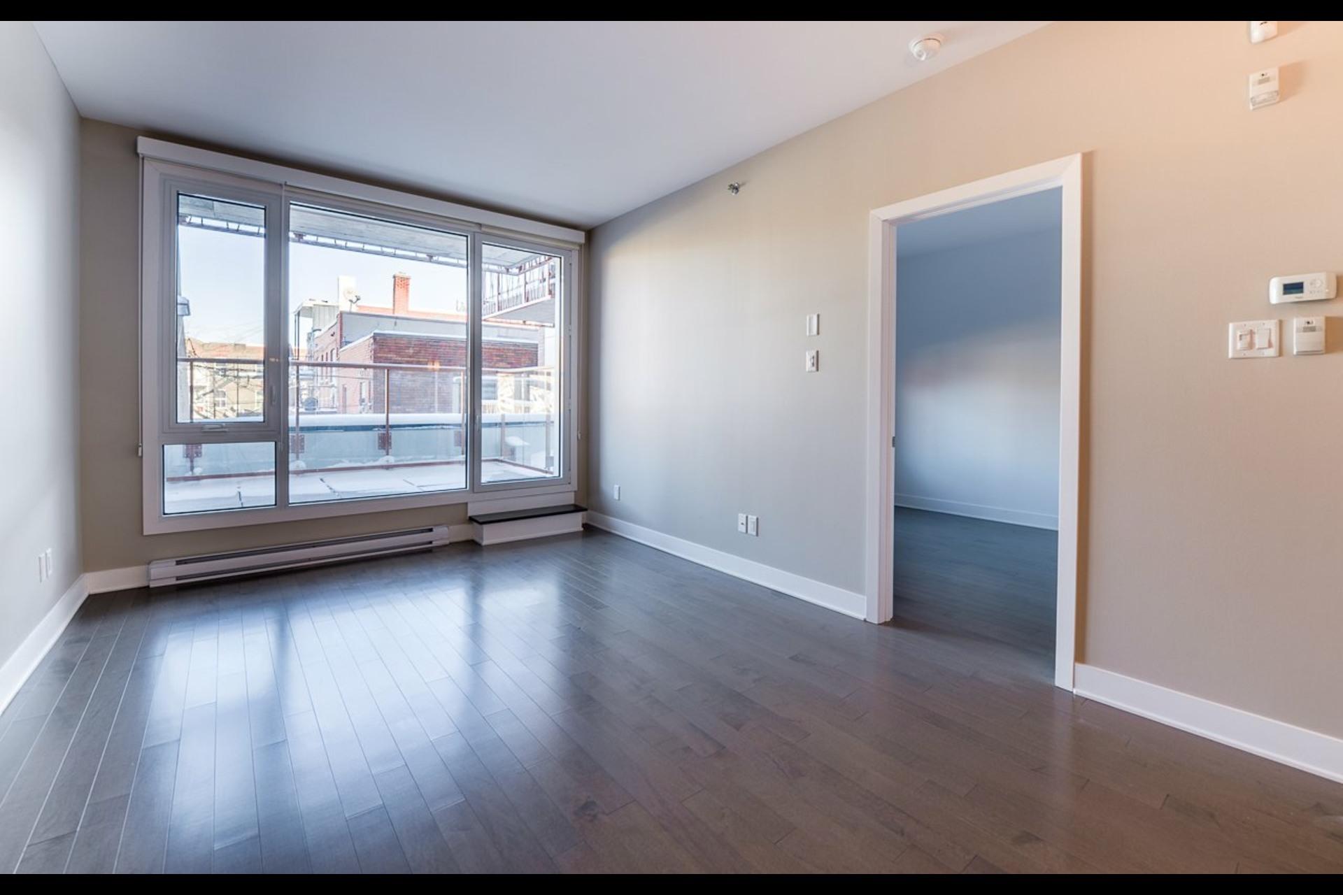 image 3 - Appartement À louer Montréal Rosemont/La Petite-Patrie  - 4 pièces