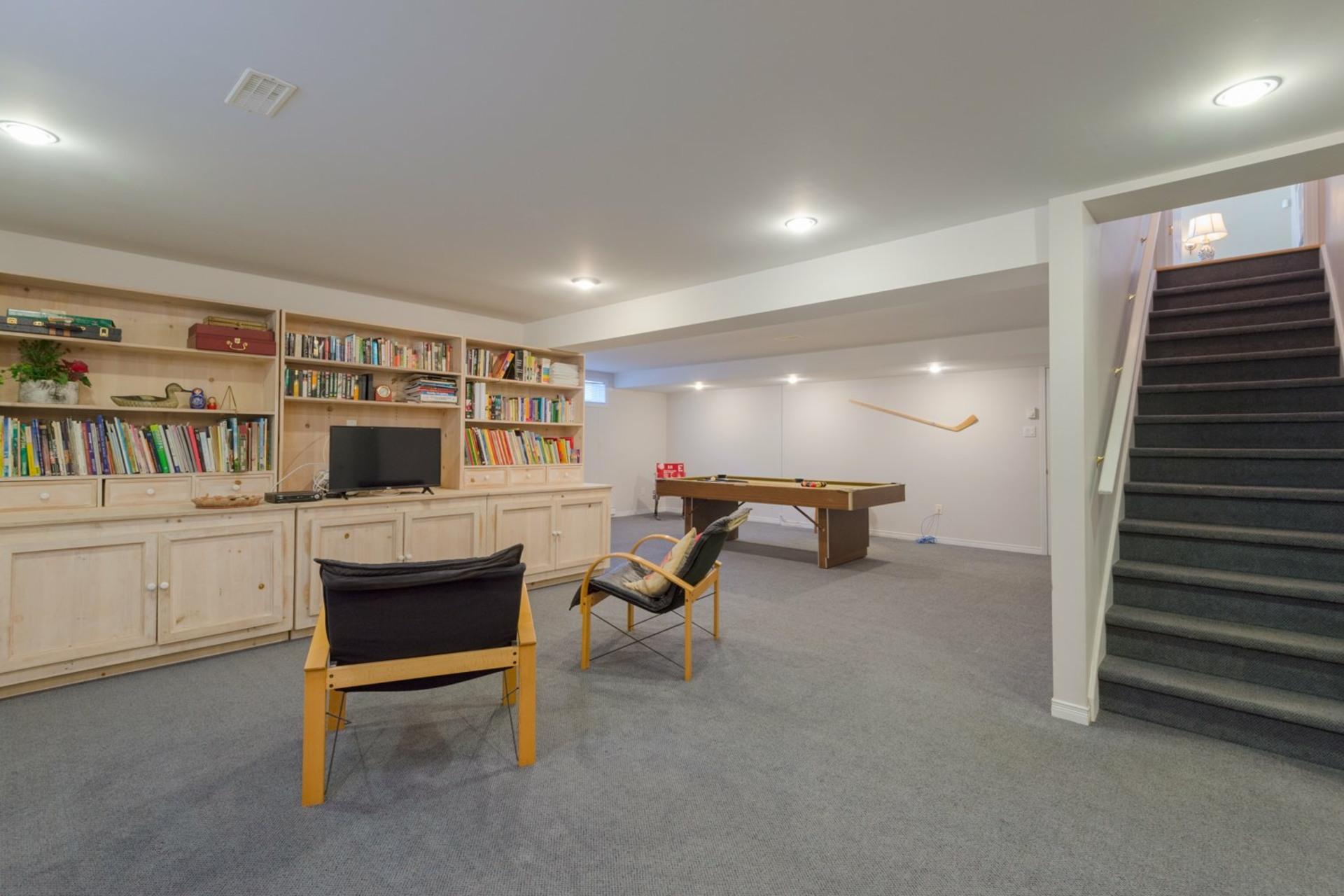 image 25 - House For sale Kirkland - 12 rooms