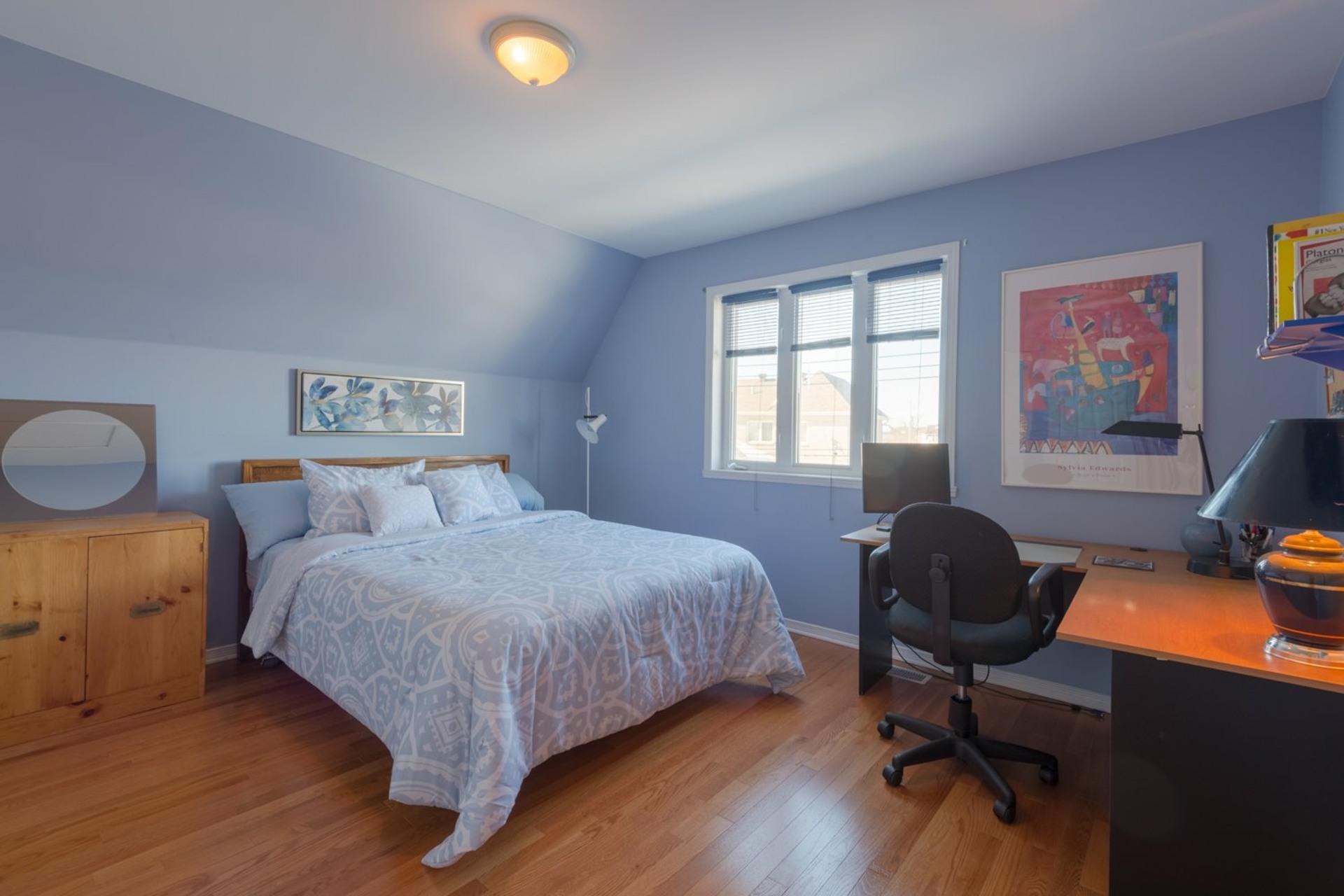 image 24 - House For sale Kirkland - 12 rooms