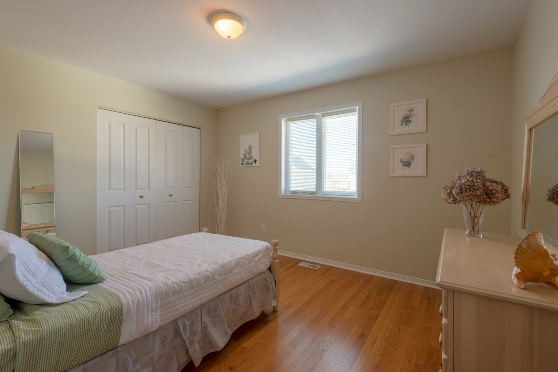 image 22 - House For sale Kirkland - 12 rooms