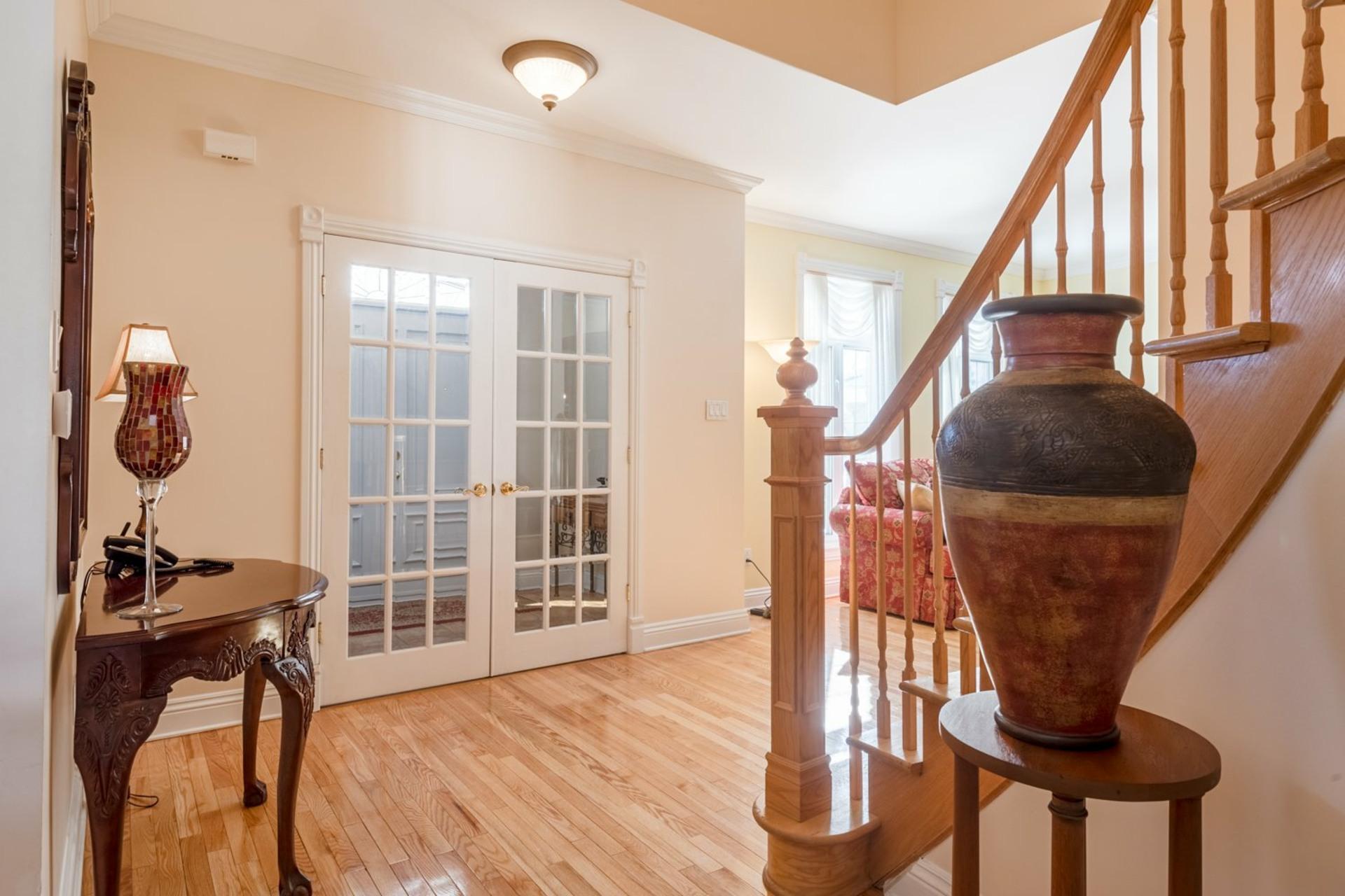 image 3 - House For sale Kirkland - 12 rooms