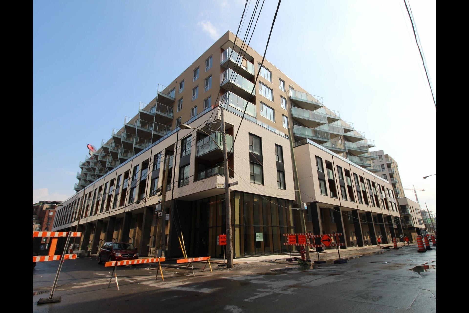 image 10 - Appartement À louer Montréal Le Sud-Ouest  - 4 pièces