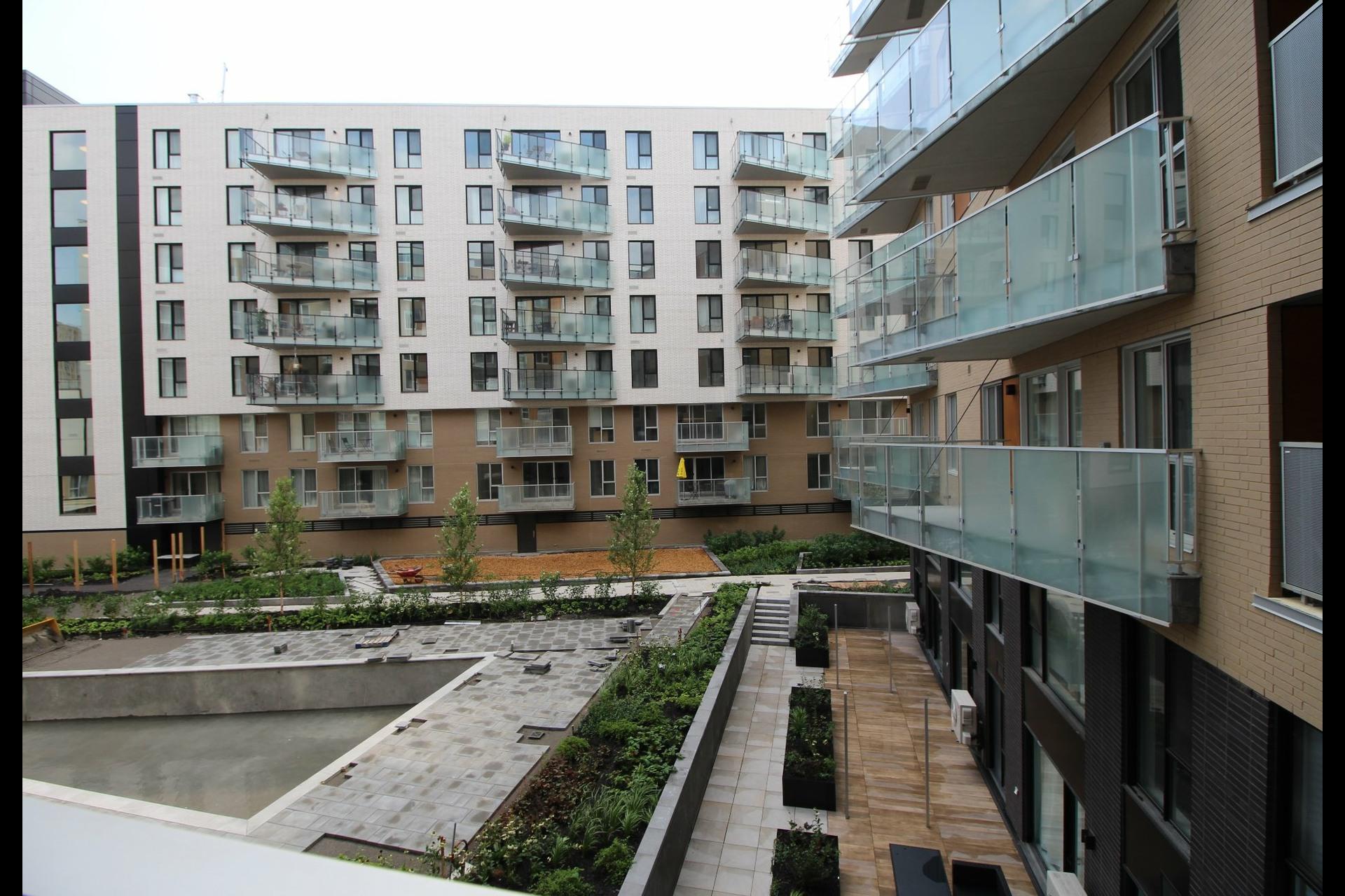 image 12 - Appartement À louer Montréal Le Sud-Ouest  - 4 pièces