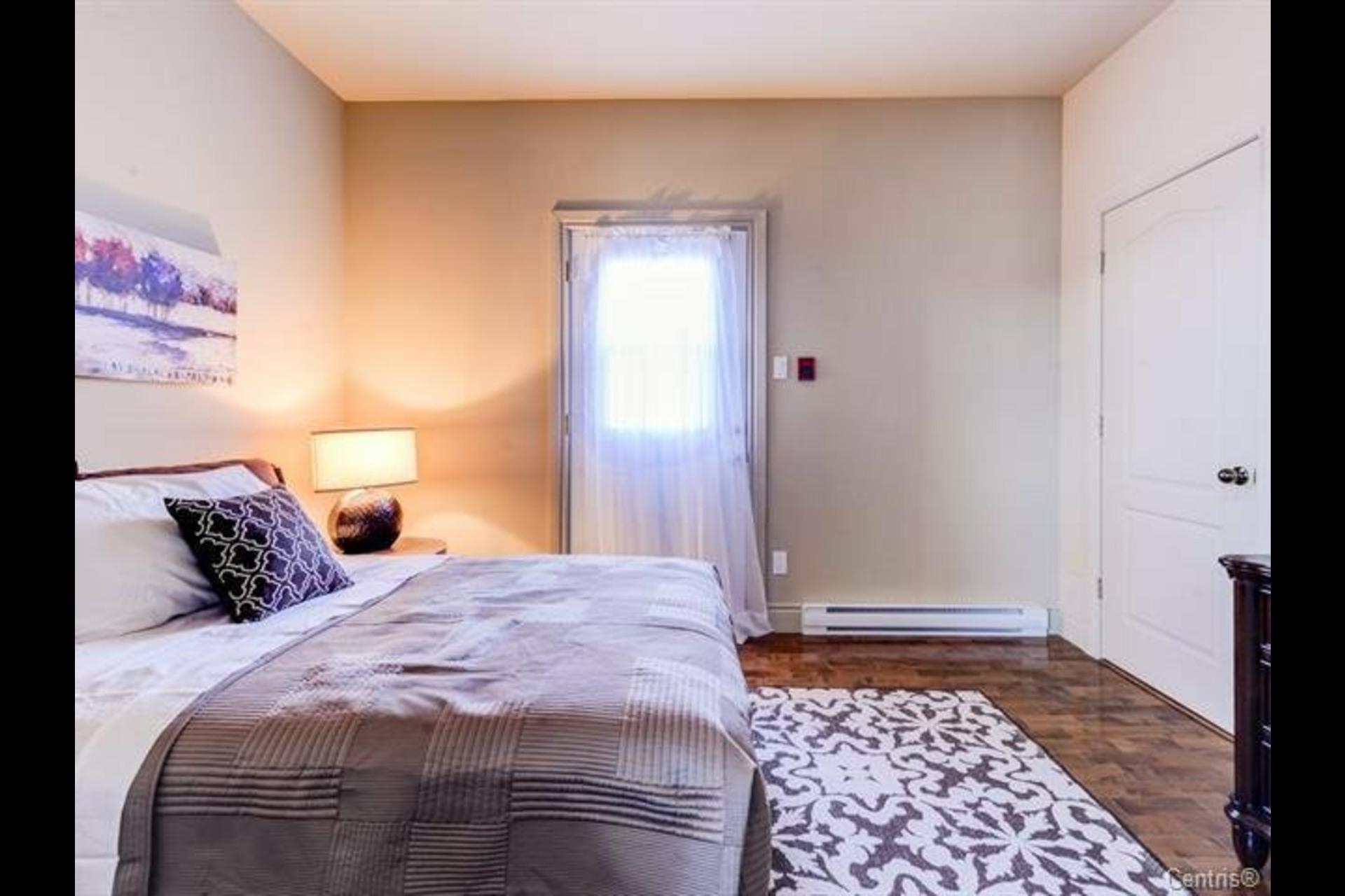 image 19 - Appartement À vendre Montréal Côte-des-Neiges/Notre-Dame-de-Grâce  - 7 pièces