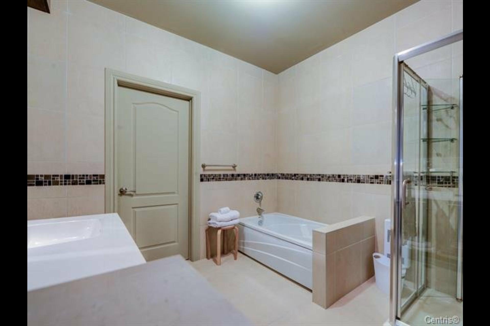 image 21 - Appartement À vendre Montréal Côte-des-Neiges/Notre-Dame-de-Grâce  - 7 pièces
