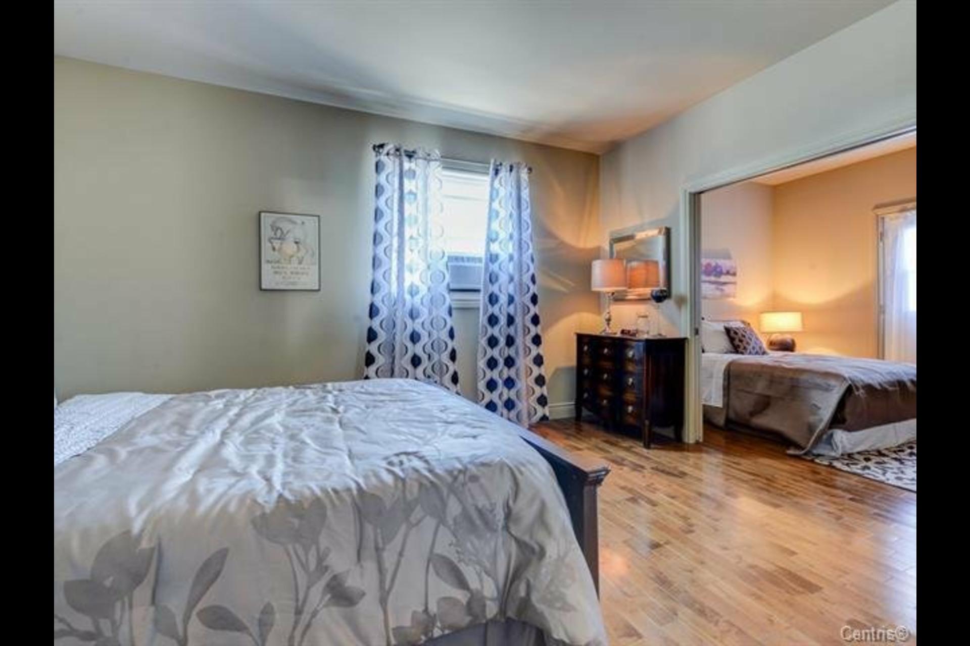 image 16 - Apartment For sale Montréal Côte-des-Neiges/Notre-Dame-de-Grâce  - 7 rooms