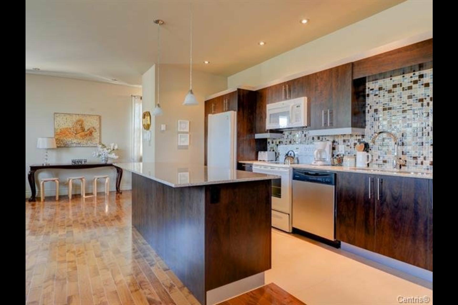 image 1 - Appartement À vendre Montréal Côte-des-Neiges/Notre-Dame-de-Grâce  - 7 pièces