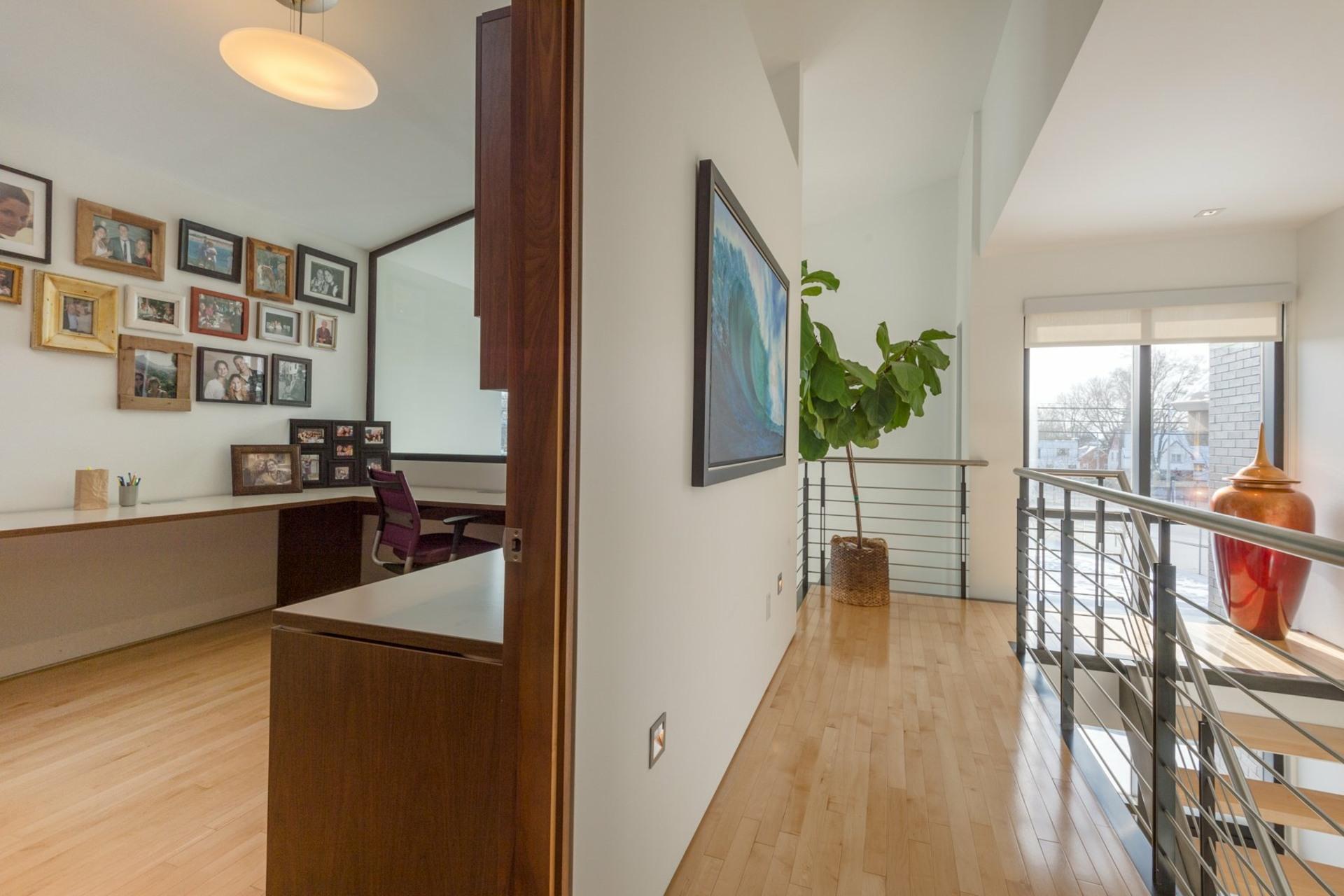 image 17 - House For sale Montréal Côte-des-Neiges/Notre-Dame-de-Grâce  - 9 rooms