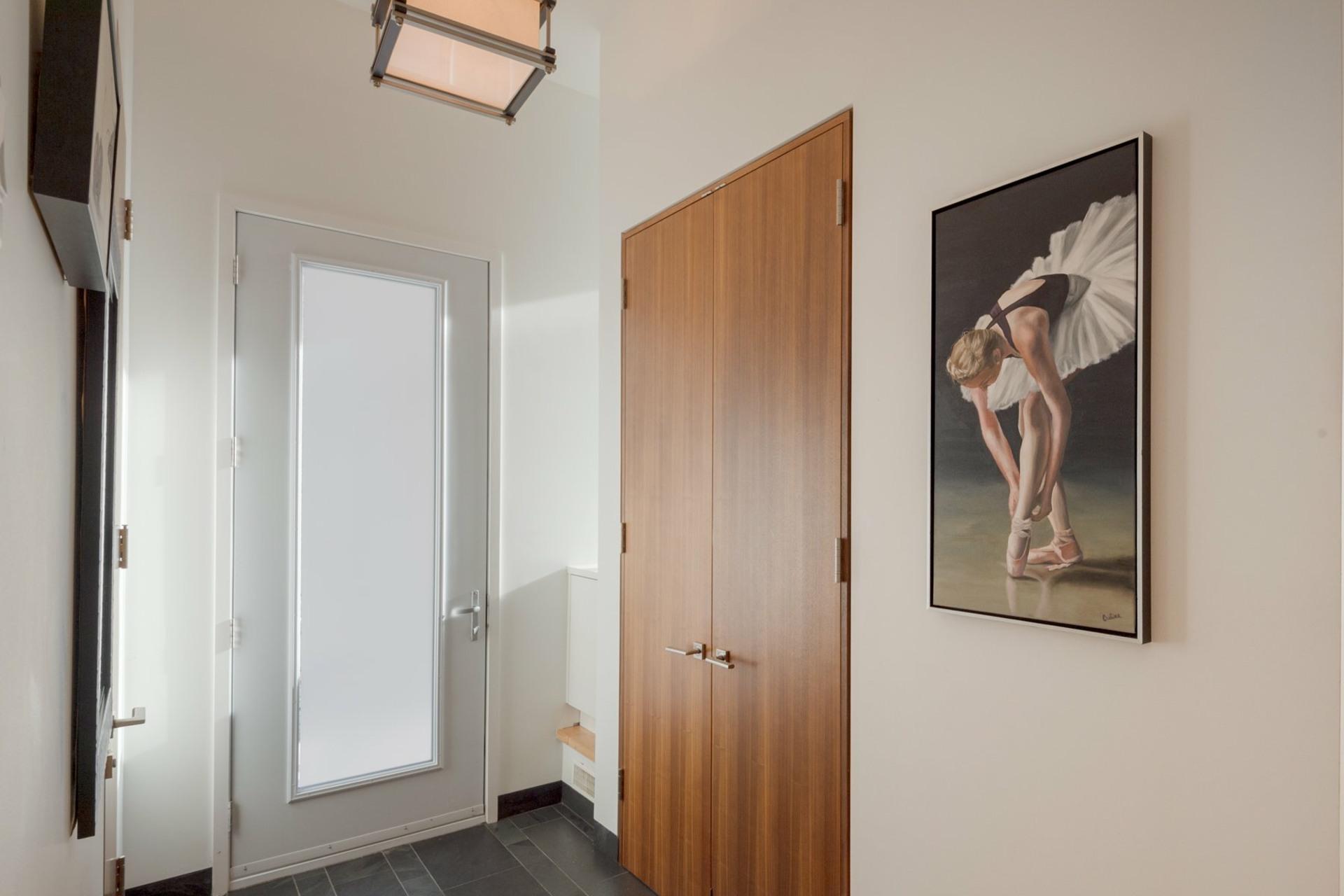 image 2 - House For sale Montréal Côte-des-Neiges/Notre-Dame-de-Grâce  - 9 rooms