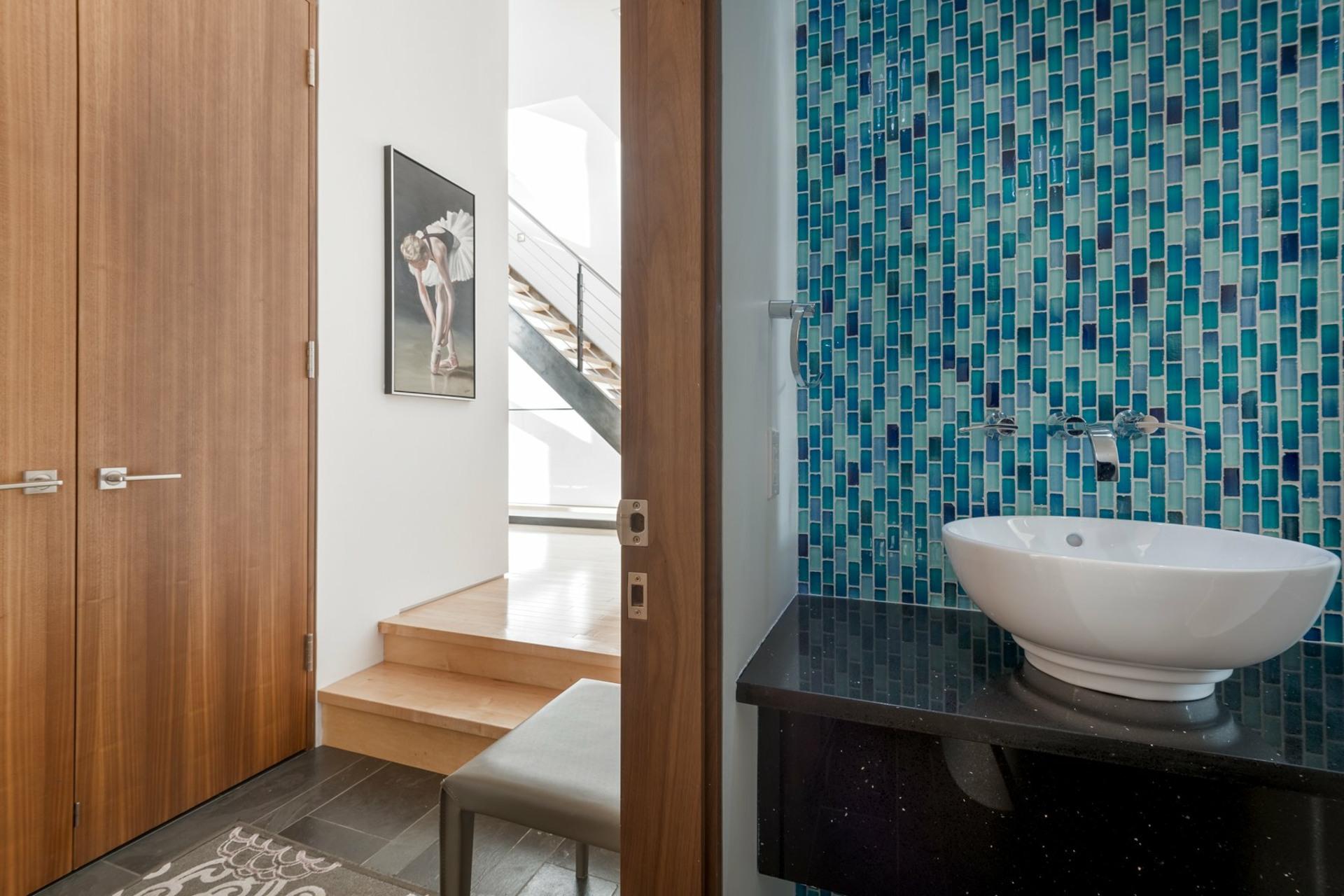 image 4 - House For sale Montréal Côte-des-Neiges/Notre-Dame-de-Grâce  - 9 rooms