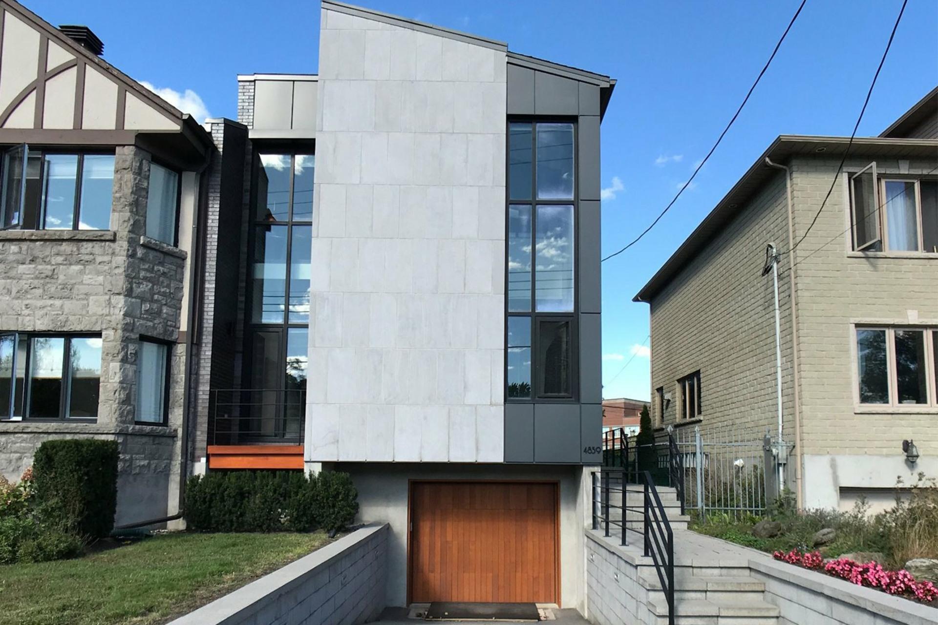 image 0 - House For sale Montréal Côte-des-Neiges/Notre-Dame-de-Grâce  - 9 rooms