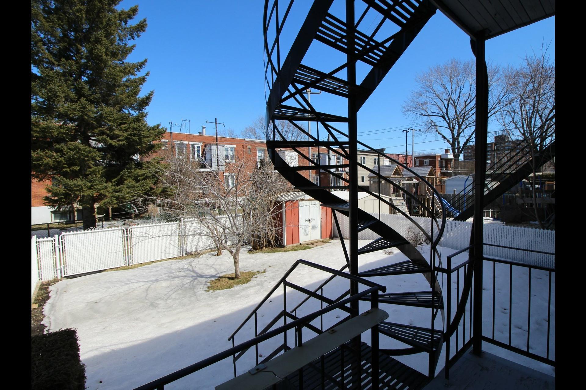 image 23 - Duplex For sale Montréal Rivière-des-Prairies/Pointe-aux-Trembles  - 6 rooms