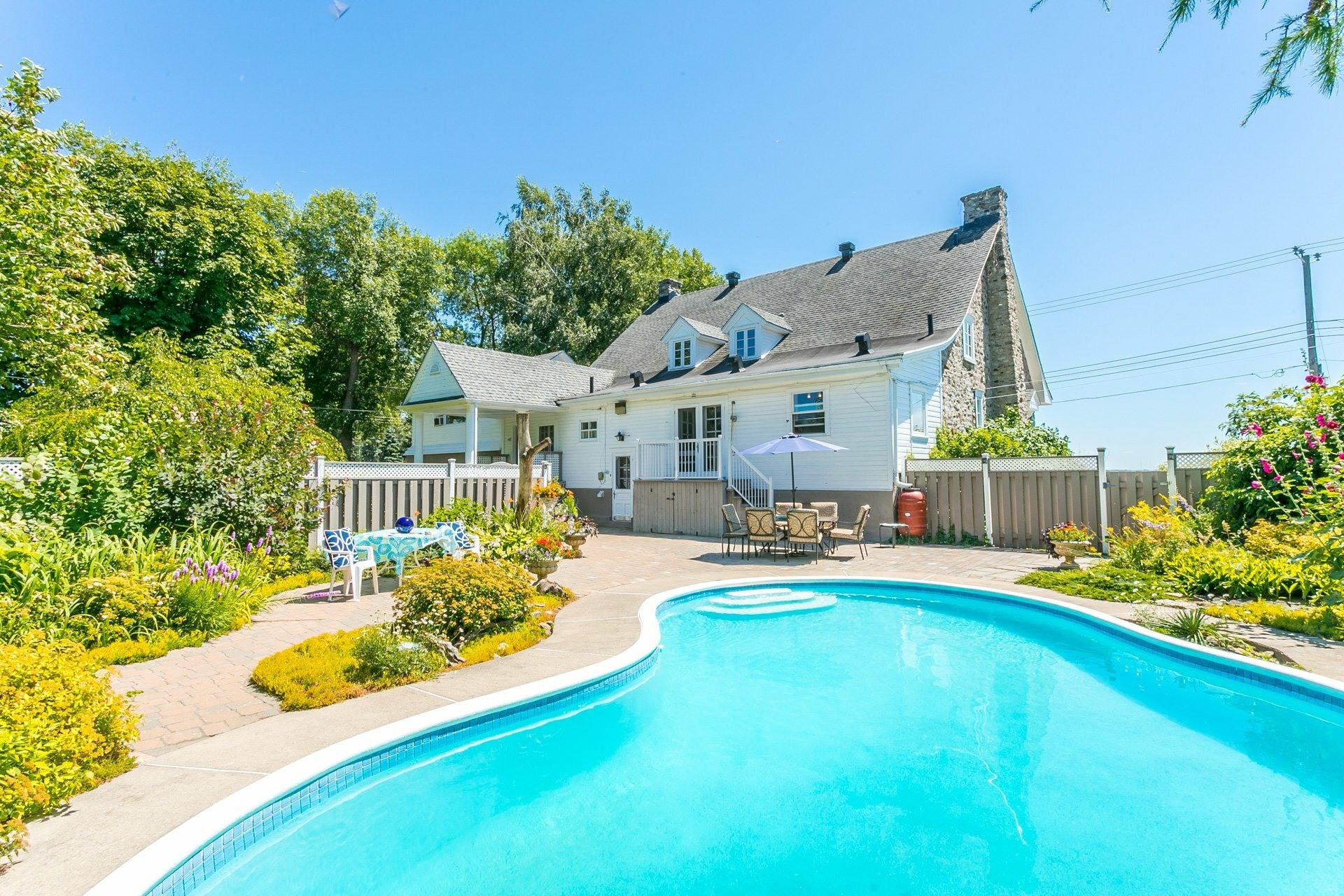 image 0 - House For sale Montréal Lachine  - 12 rooms