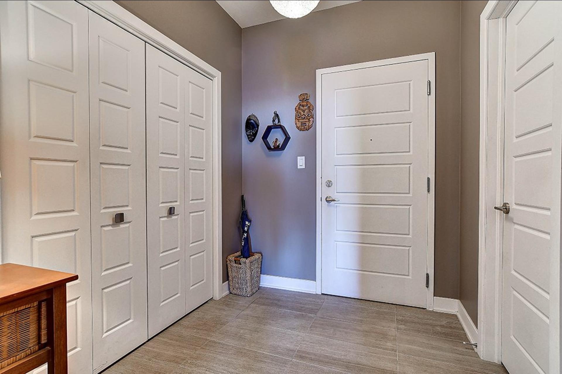 image 2 - 公寓 出售 Candiac - 8 室