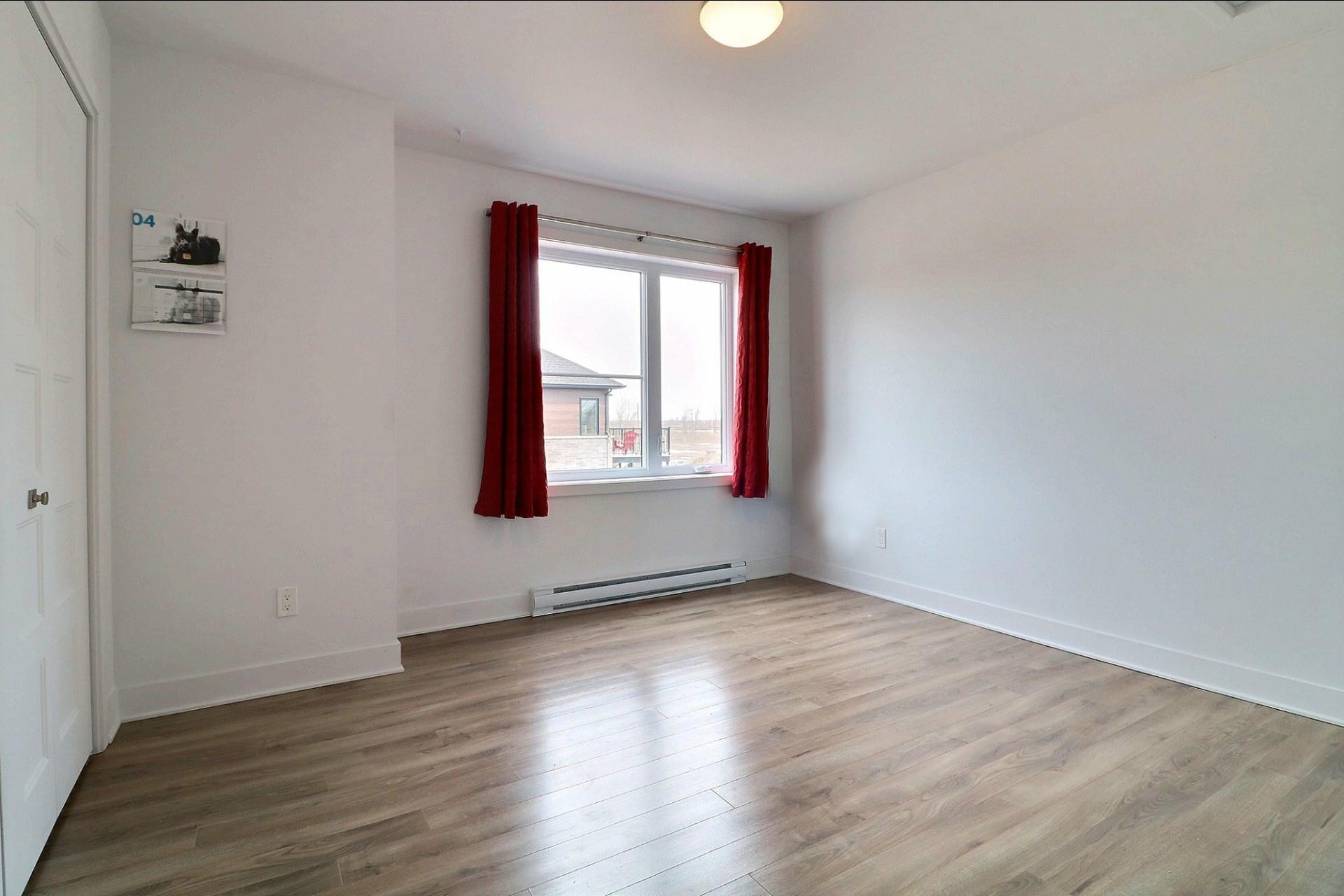 image 12 - Appartement À vendre Sainte-Marthe-sur-le-Lac - 10 pièces
