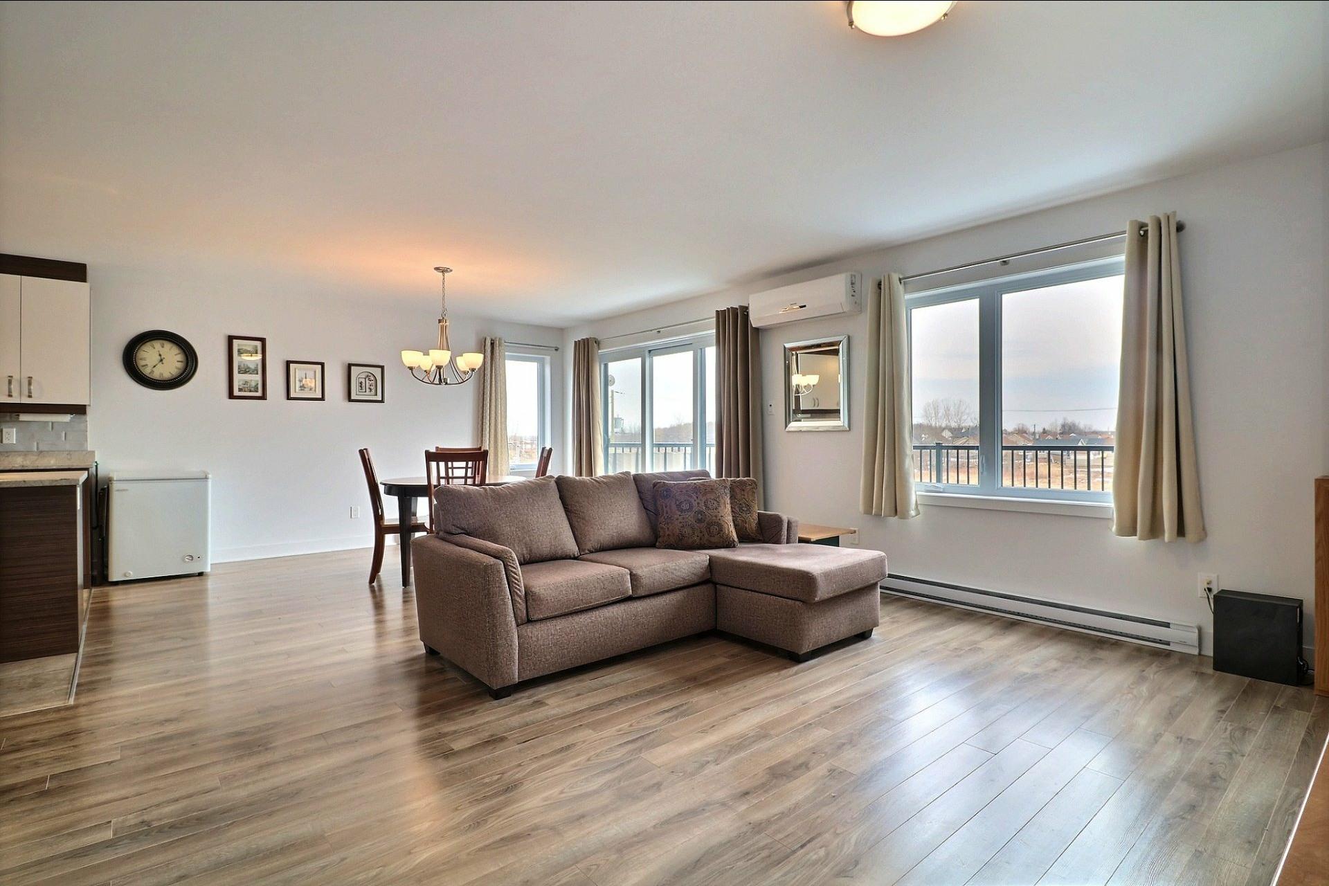image 7 - Appartement À vendre Sainte-Marthe-sur-le-Lac - 10 pièces