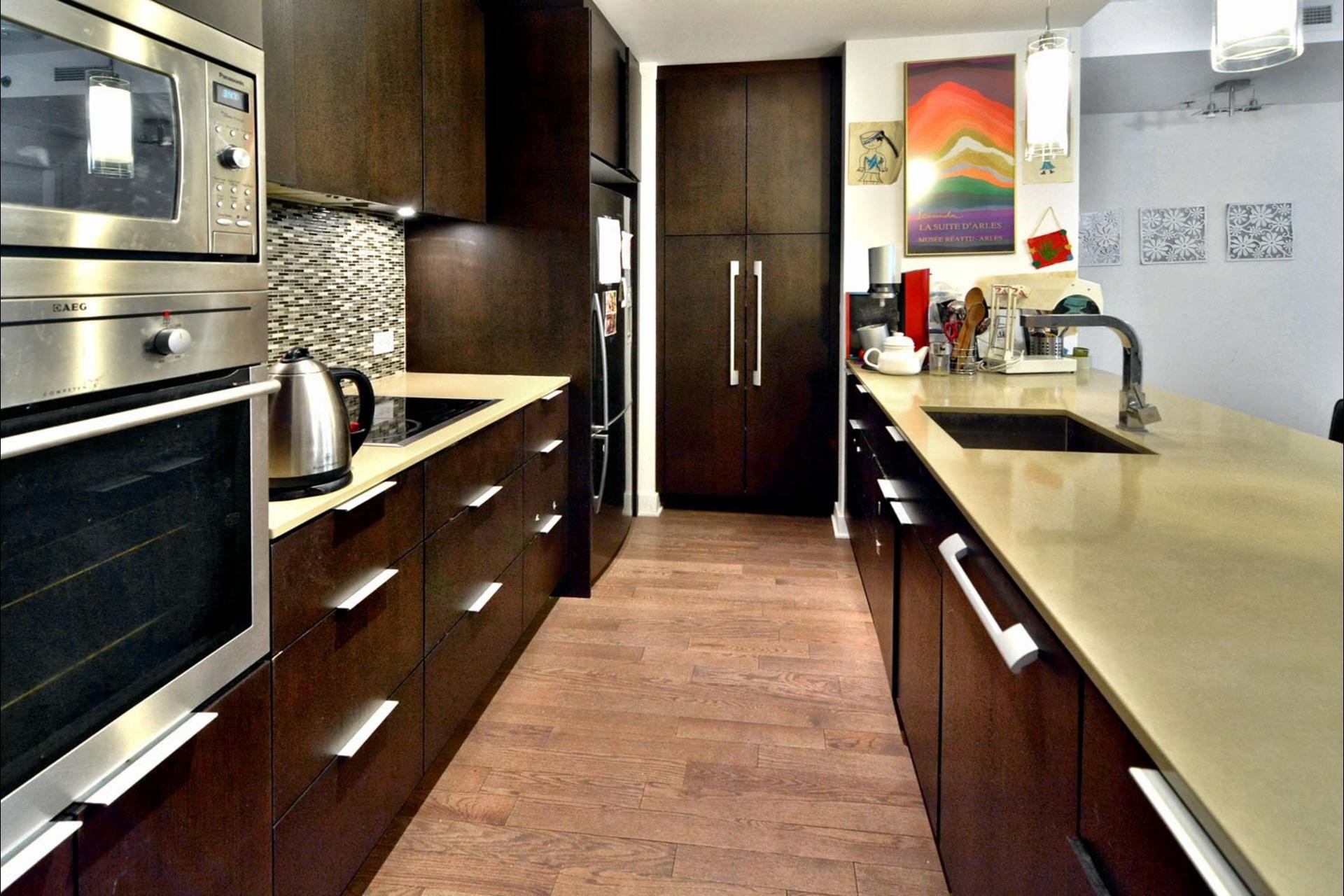 image 6 - Apartment For sale Montréal Le Sud-Ouest  - 8 rooms