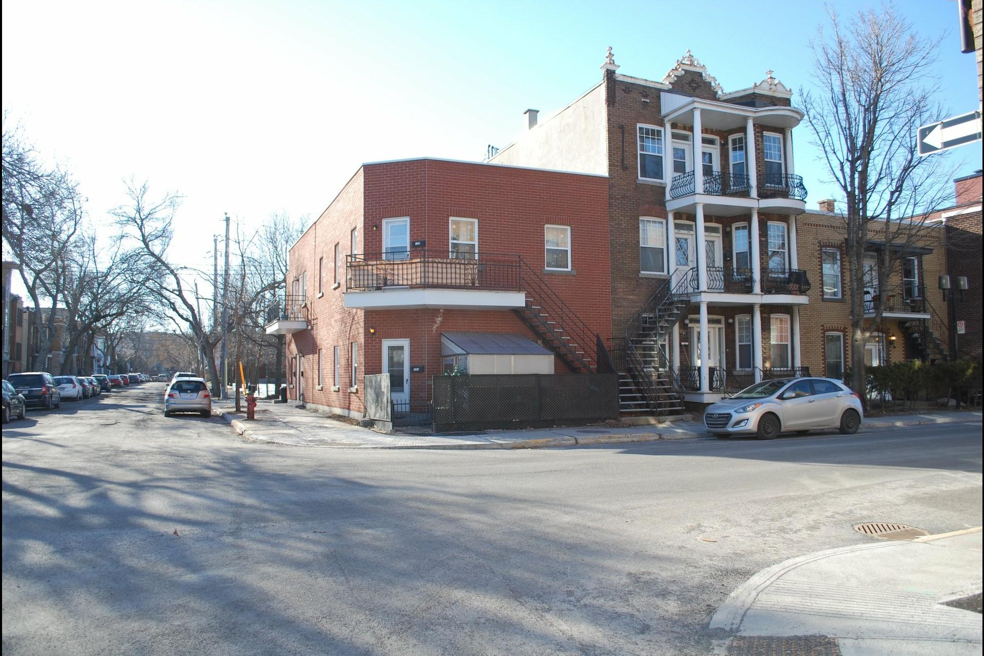 image 3 - Quintuplex À vendre Montréal Le Sud-Ouest  - 3 pièces
