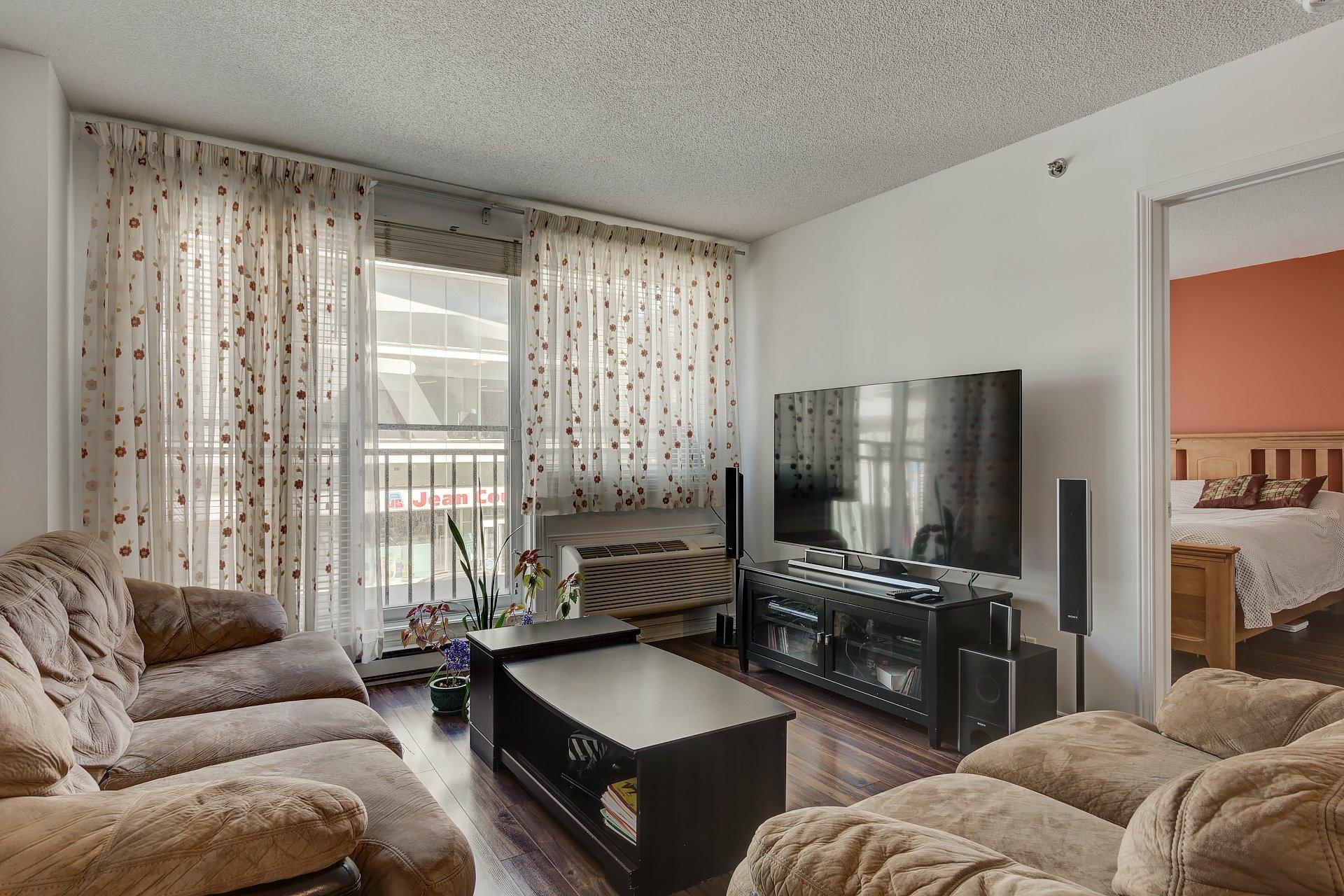 image 2 - Appartement À vendre Montréal Ville-Marie  - 6 pièces