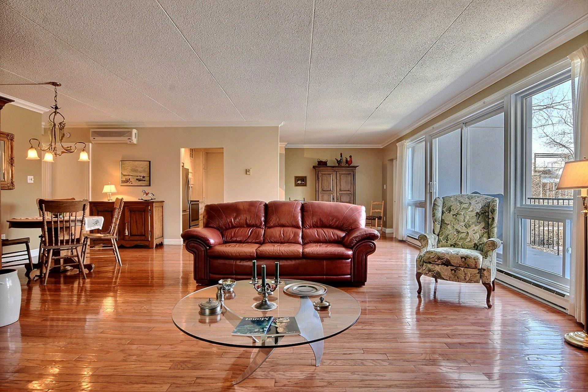 image 1 - Appartement À vendre Longueuil Le Vieux-Longueuil  - 5 pièces