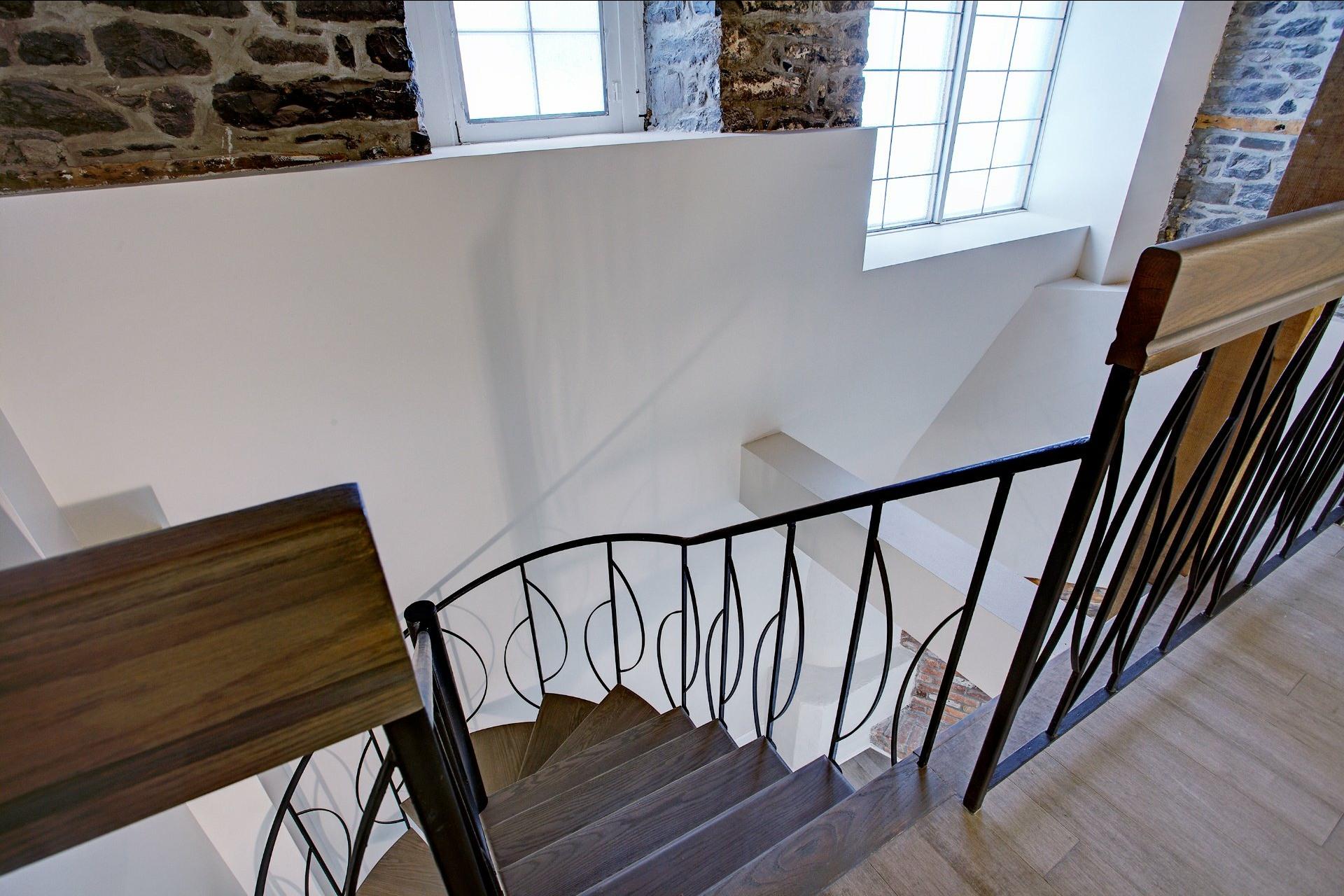 image 18 - Appartement À louer Montréal Ville-Marie  - 6 pièces