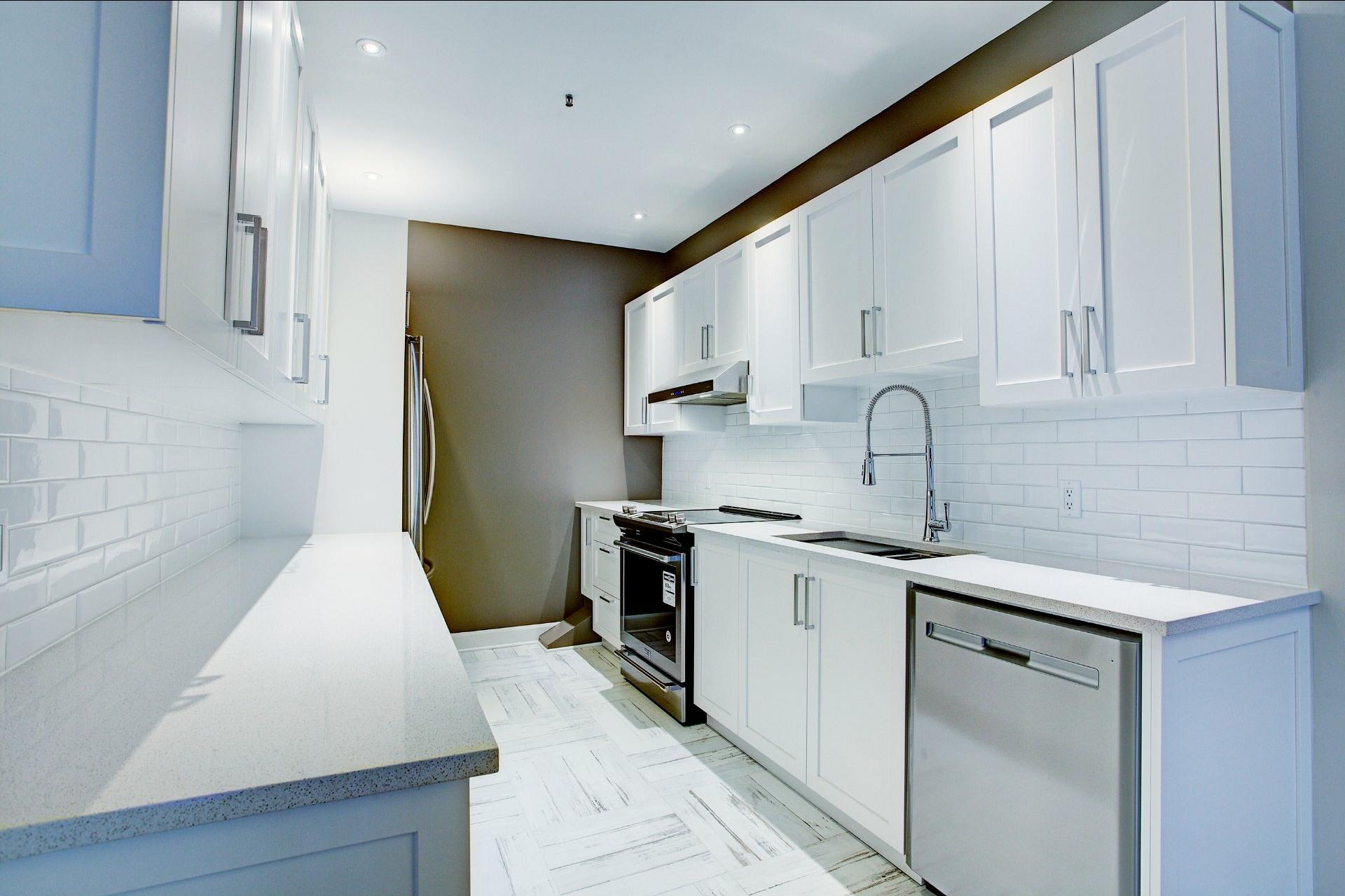 image 13 - Appartement À louer Montréal Ville-Marie  - 6 pièces